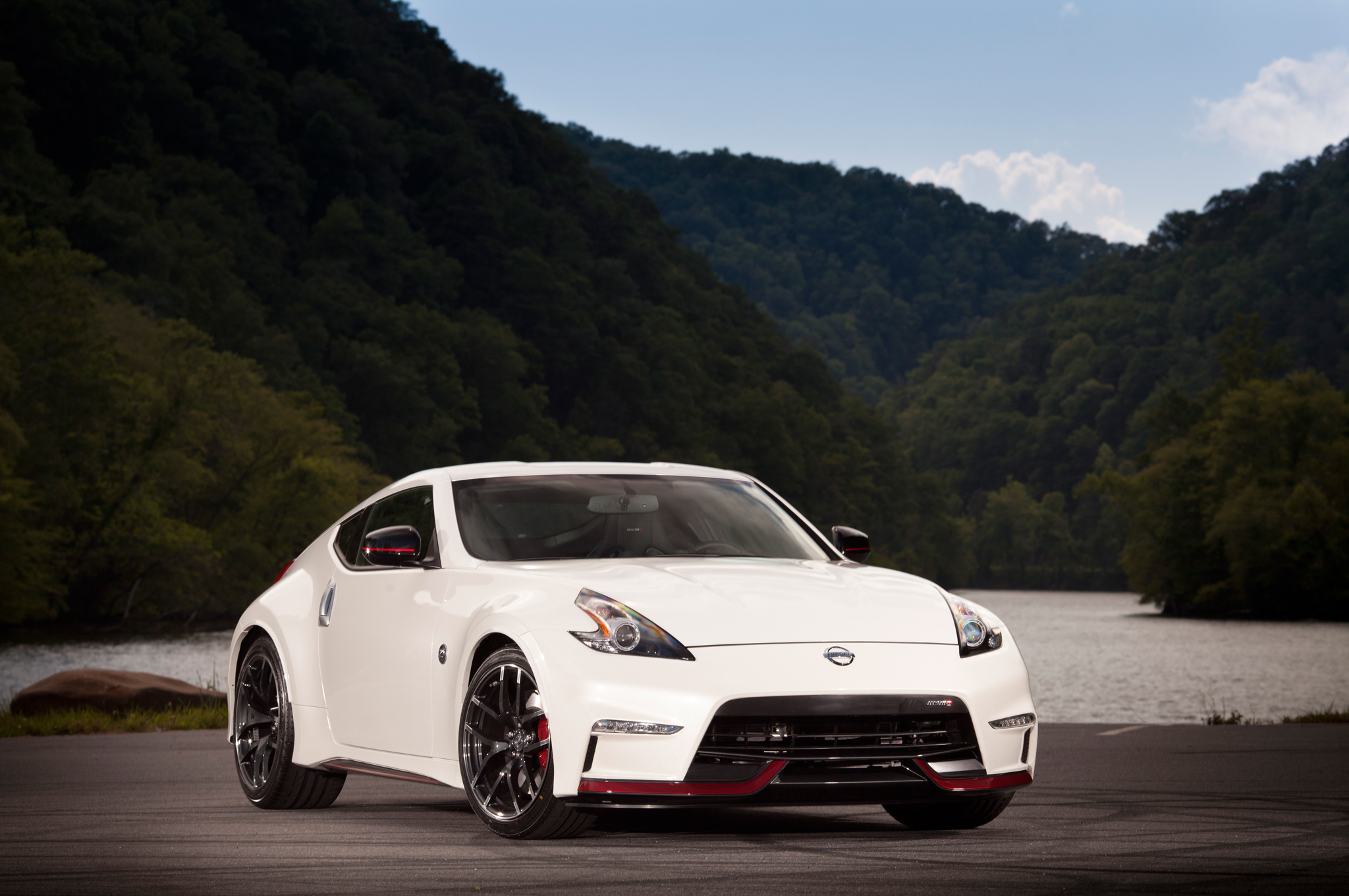 2015 Nissan 370z Priced Nismo More Affordable At 42 800 Motor Trend