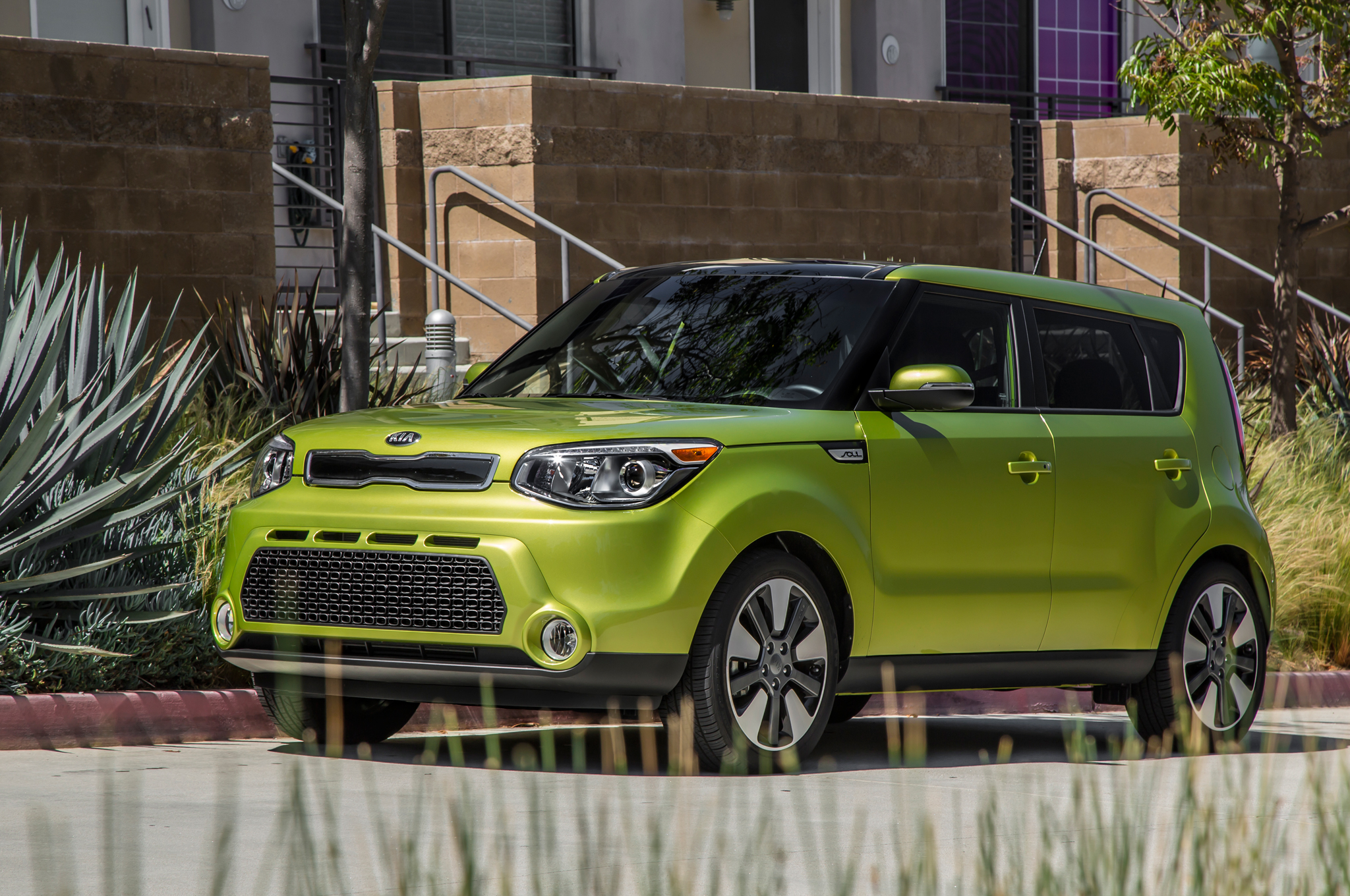 Kia Soul Awd >> Sportier Kia Soul On The Way Next Gen Model May Offer Awd Motortrend