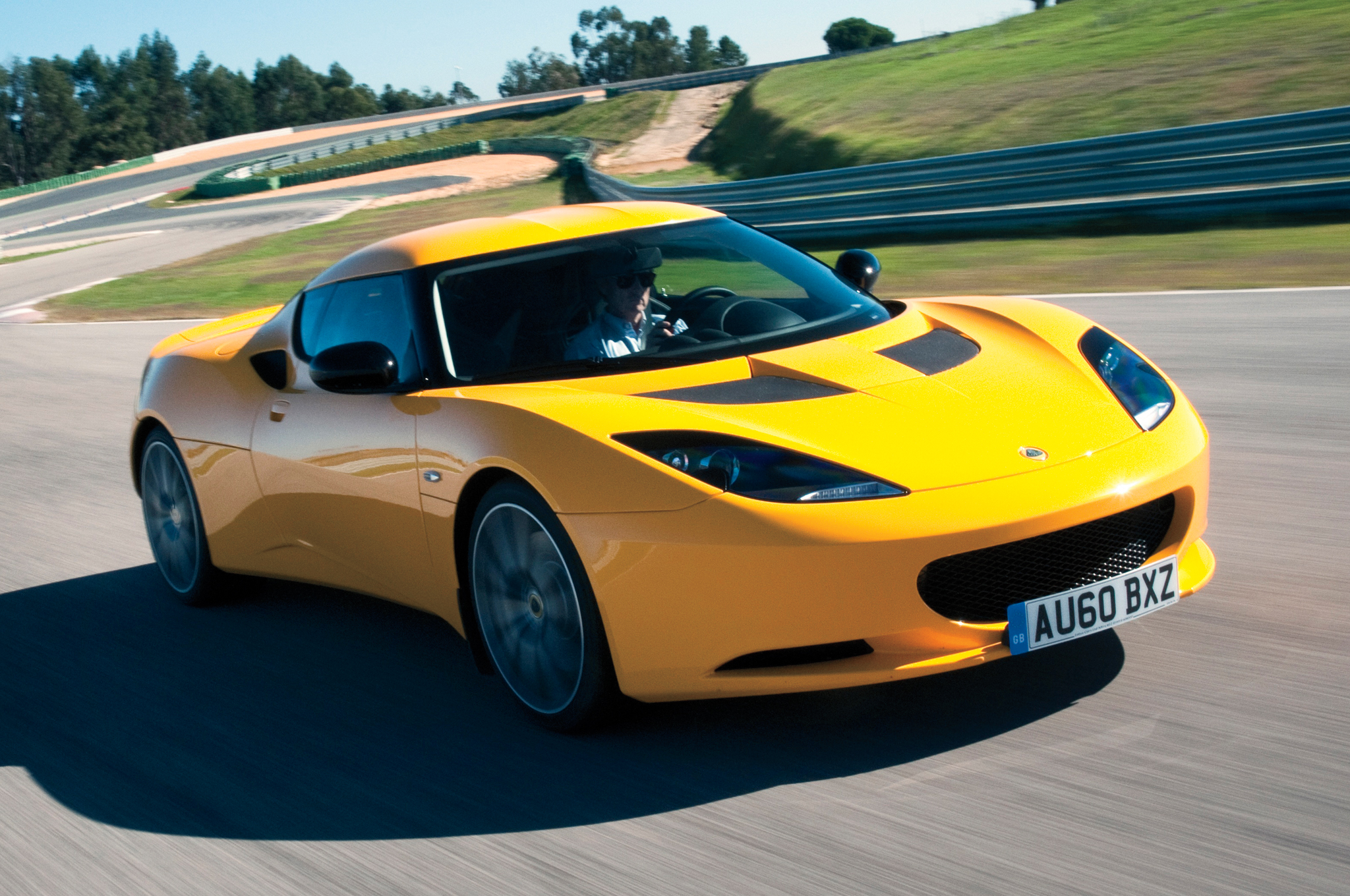 Lotus Bringing Evora Back for 2016 Model Year, Adding More Dealers