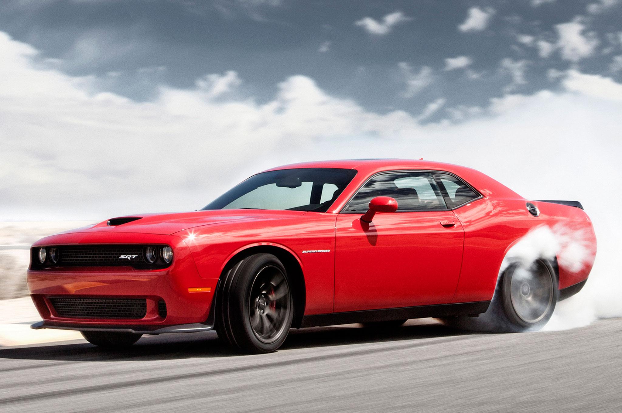 2015 Dodge Challenger Srt Hellcat Automatic Epa Rated At 13 22 Mpg
