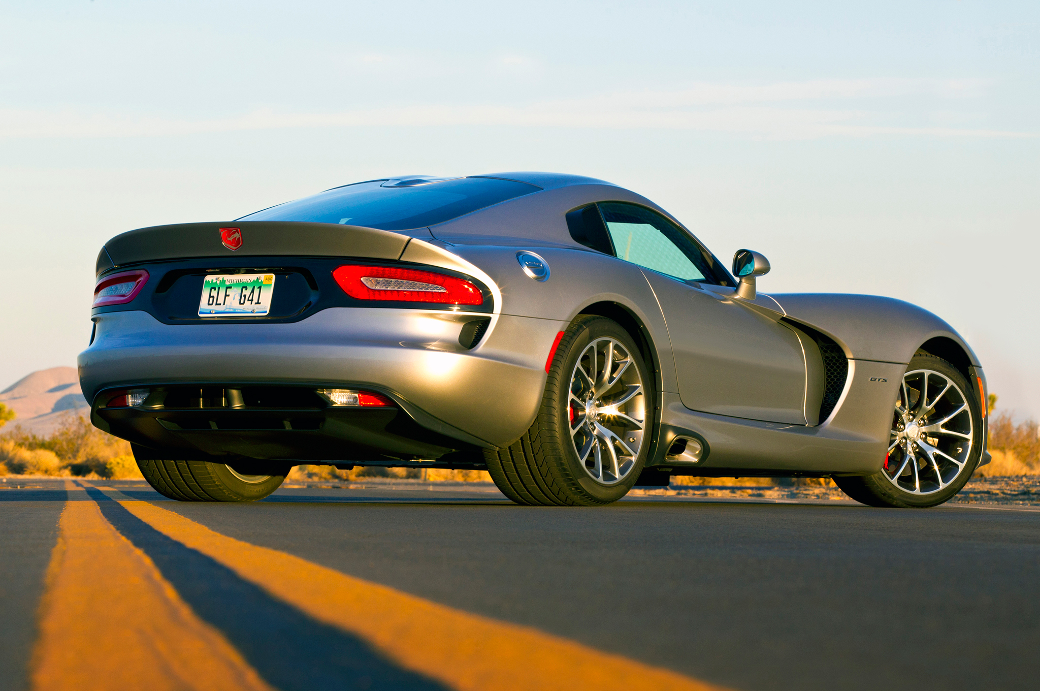 2015 Dodge Viper Srt Price Dropped 15 000 To Boost Sales Motortrend