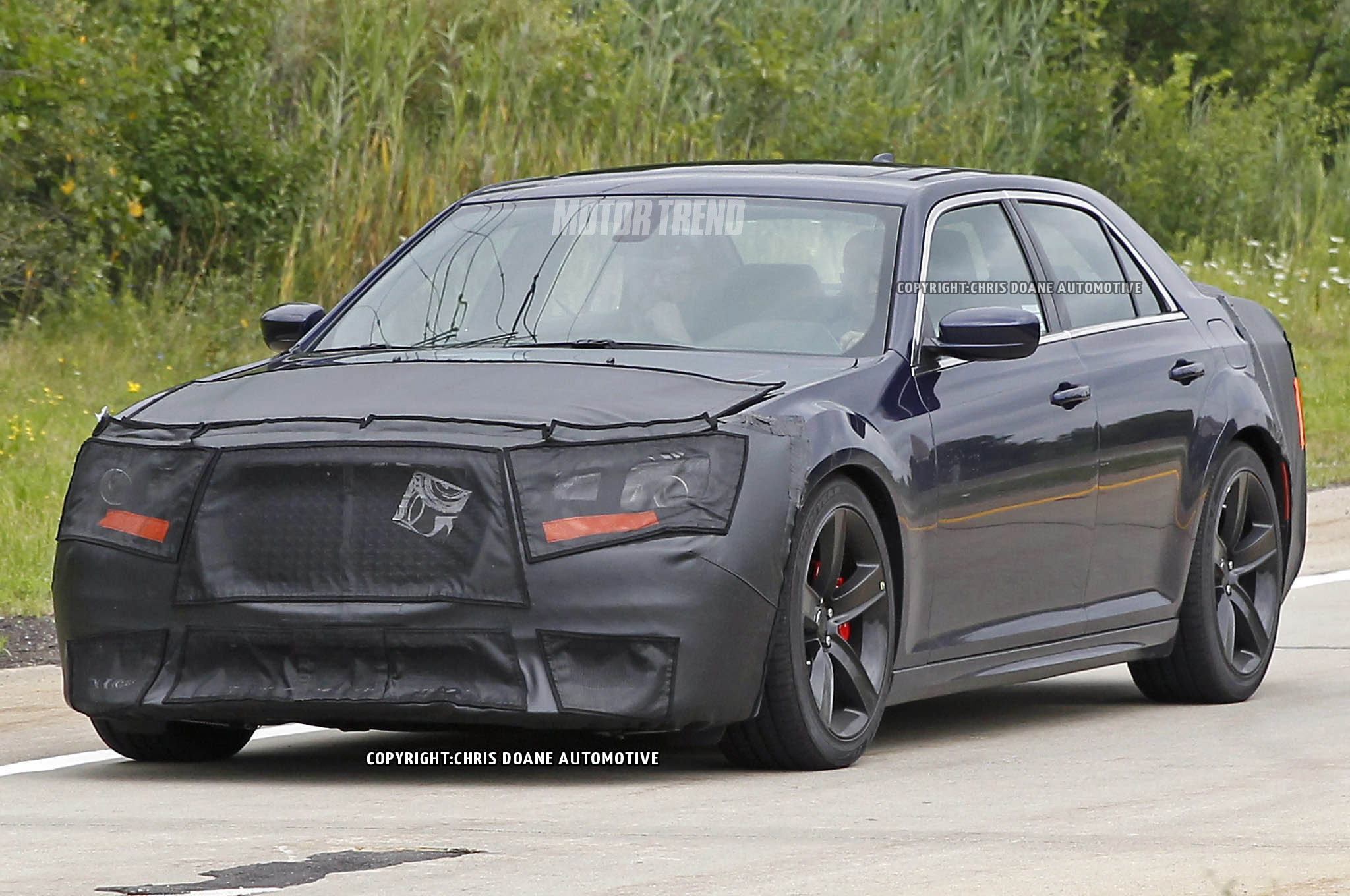 2015 Chrysler 300 Adds Eight Speed Automatic For Hemi V 8 Motortrend