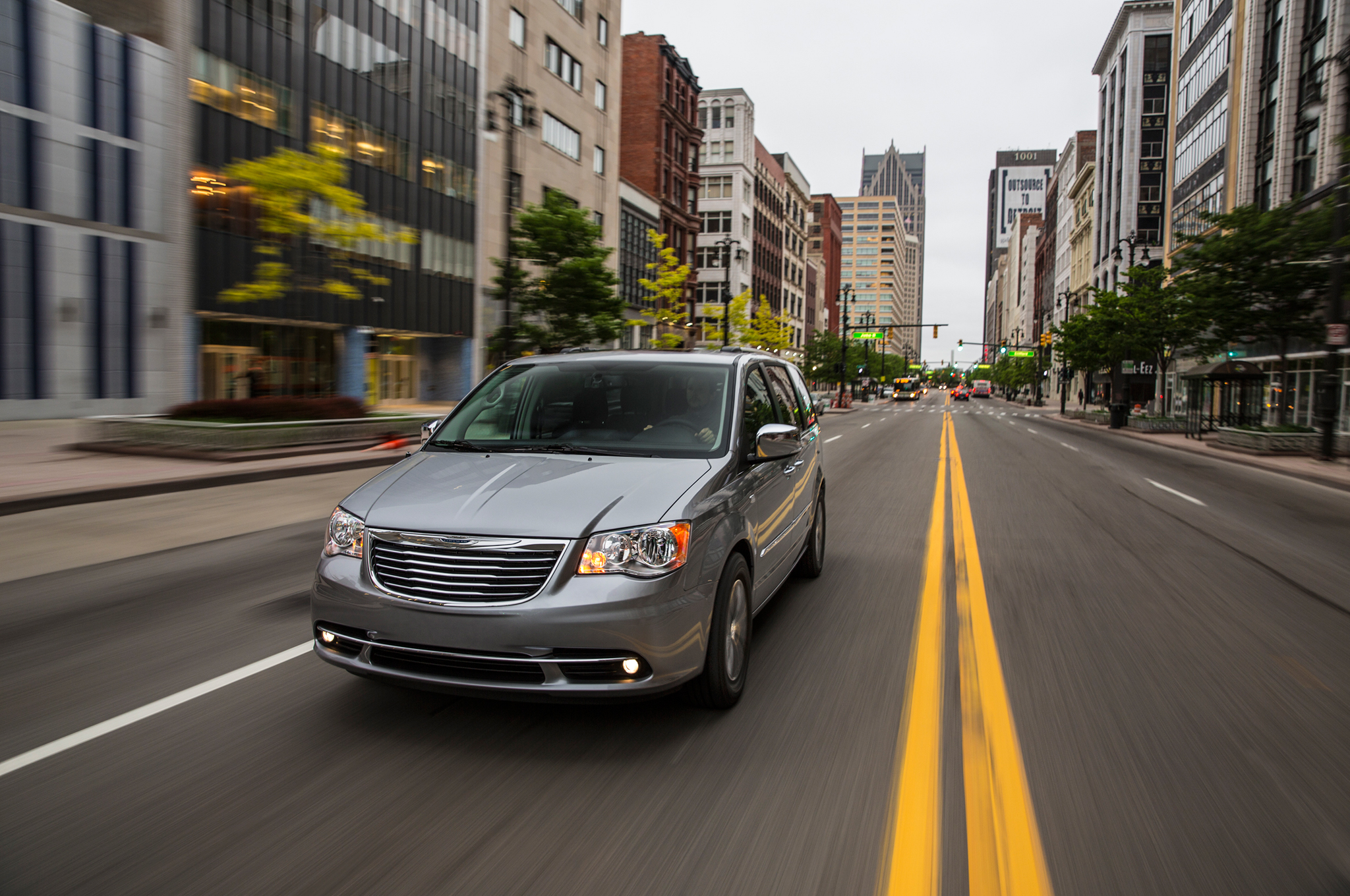 Next-Gen Chrysler Town & Country PHEV to Arrive Ahead of Schedule