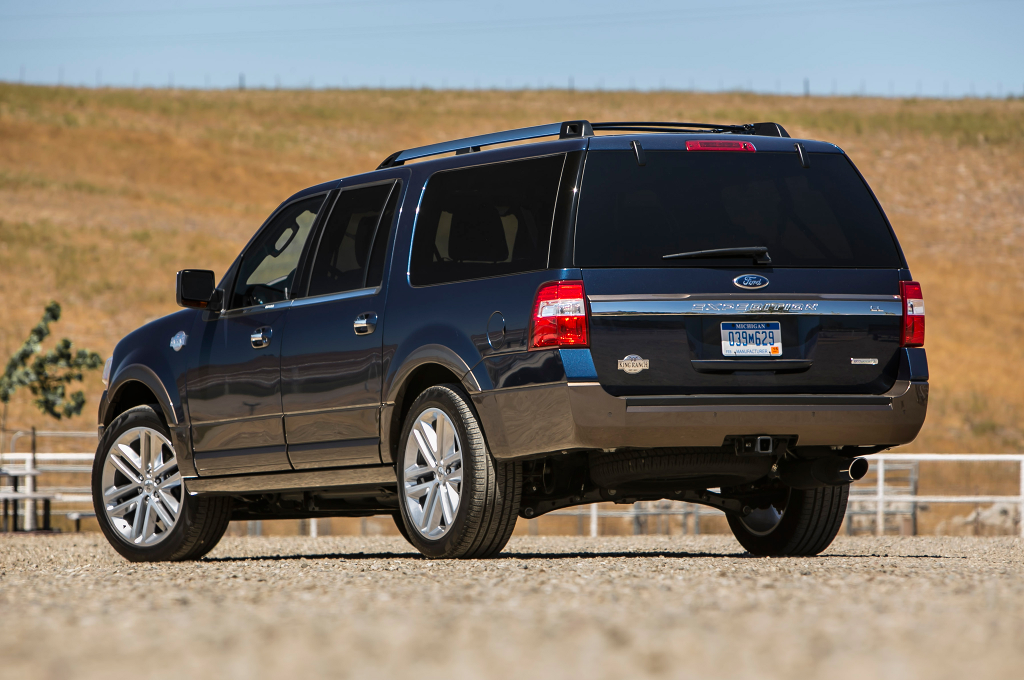 King Ranch Expedition >> 2015 Ford Expedition King Ranch El Motor Trend Motortrend