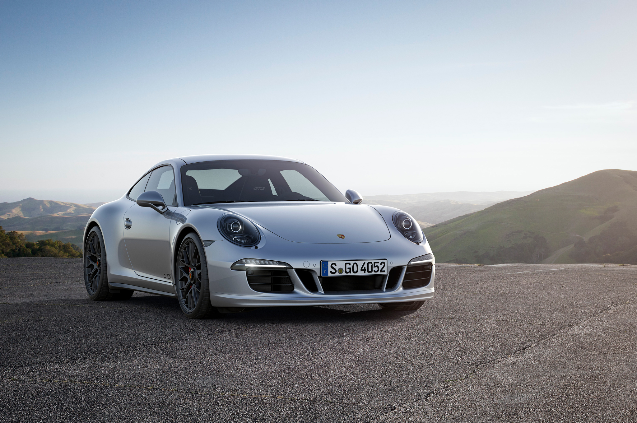 2015 Porsche 911 Carrera Gts Revealed Motortrend
