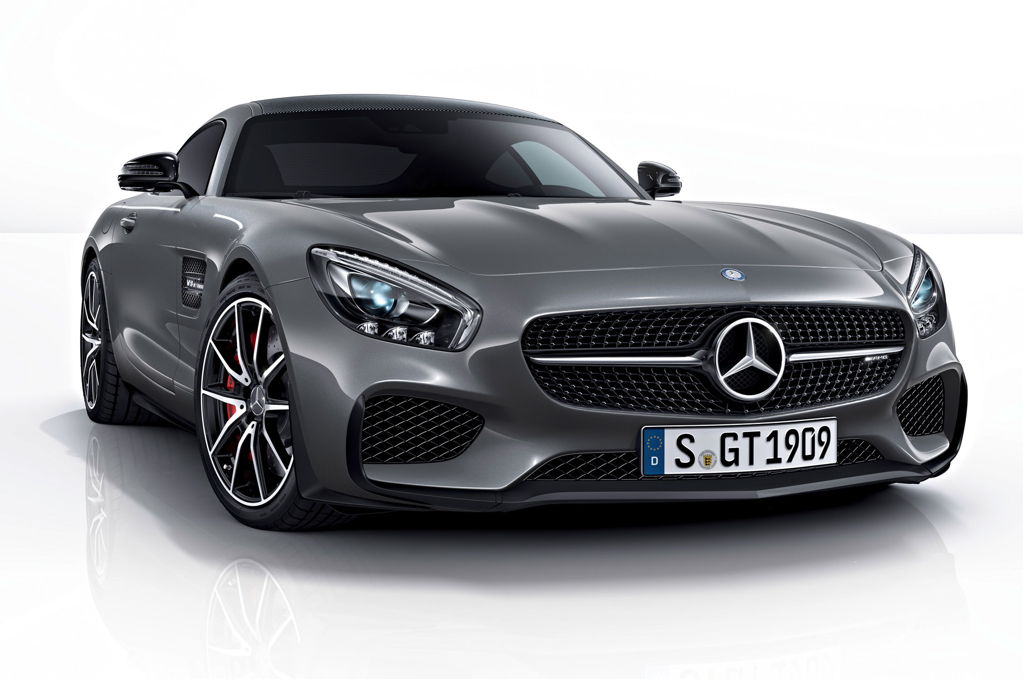 2016 Mercedes AMG GT Edition 1 Model Debuts
