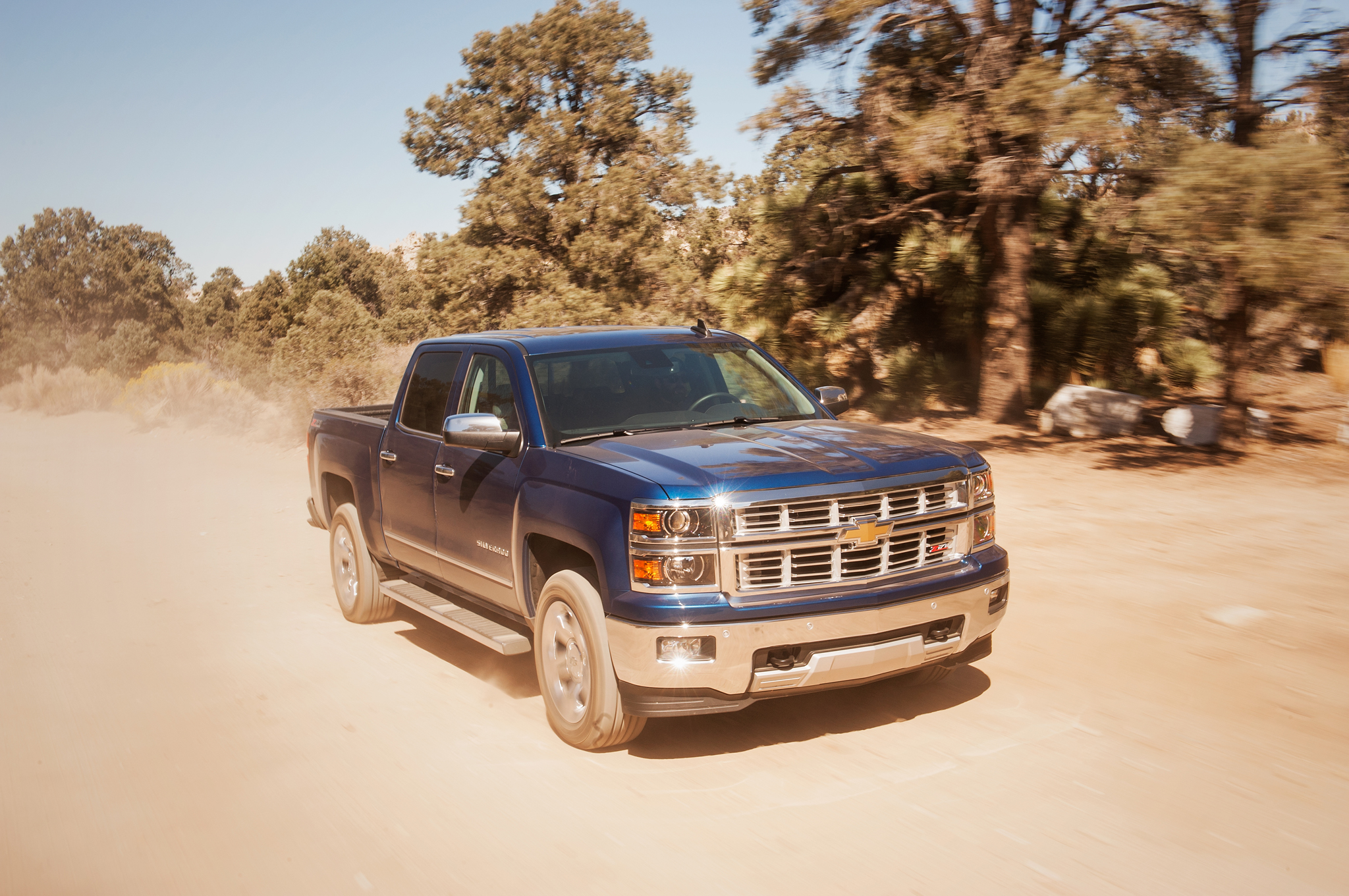 2015 chevrolet silverado 1500 ltz z71 4wd crew cab first test motor trend. Black Bedroom Furniture Sets. Home Design Ideas