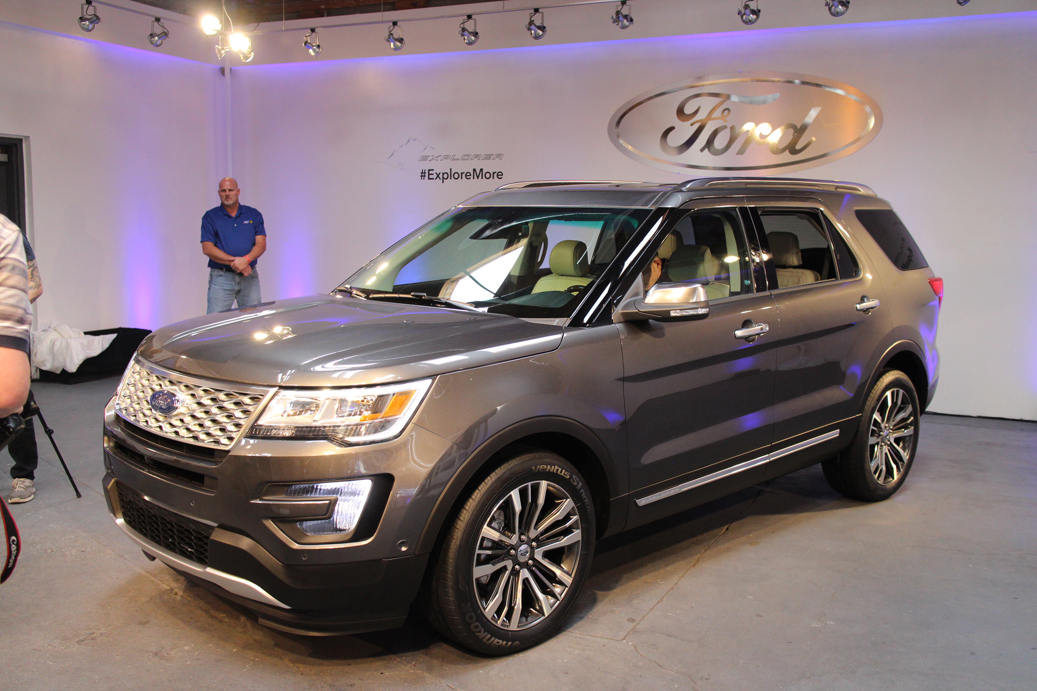 2016 Ford Explorer First Look Motor Trend Motortrend