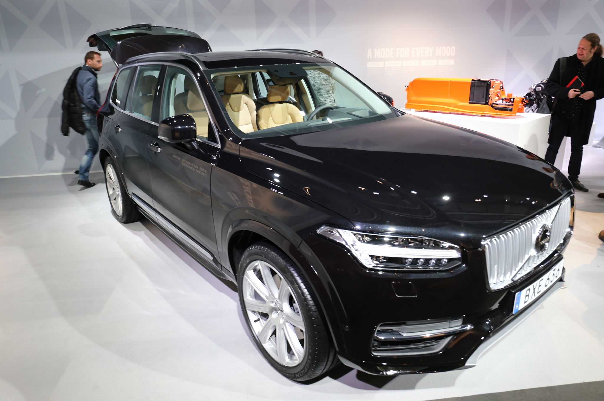 Plug-in 2016 Volvo XC90 T8 Estimated to hit 62 MPH in 5.9 Seconds ...