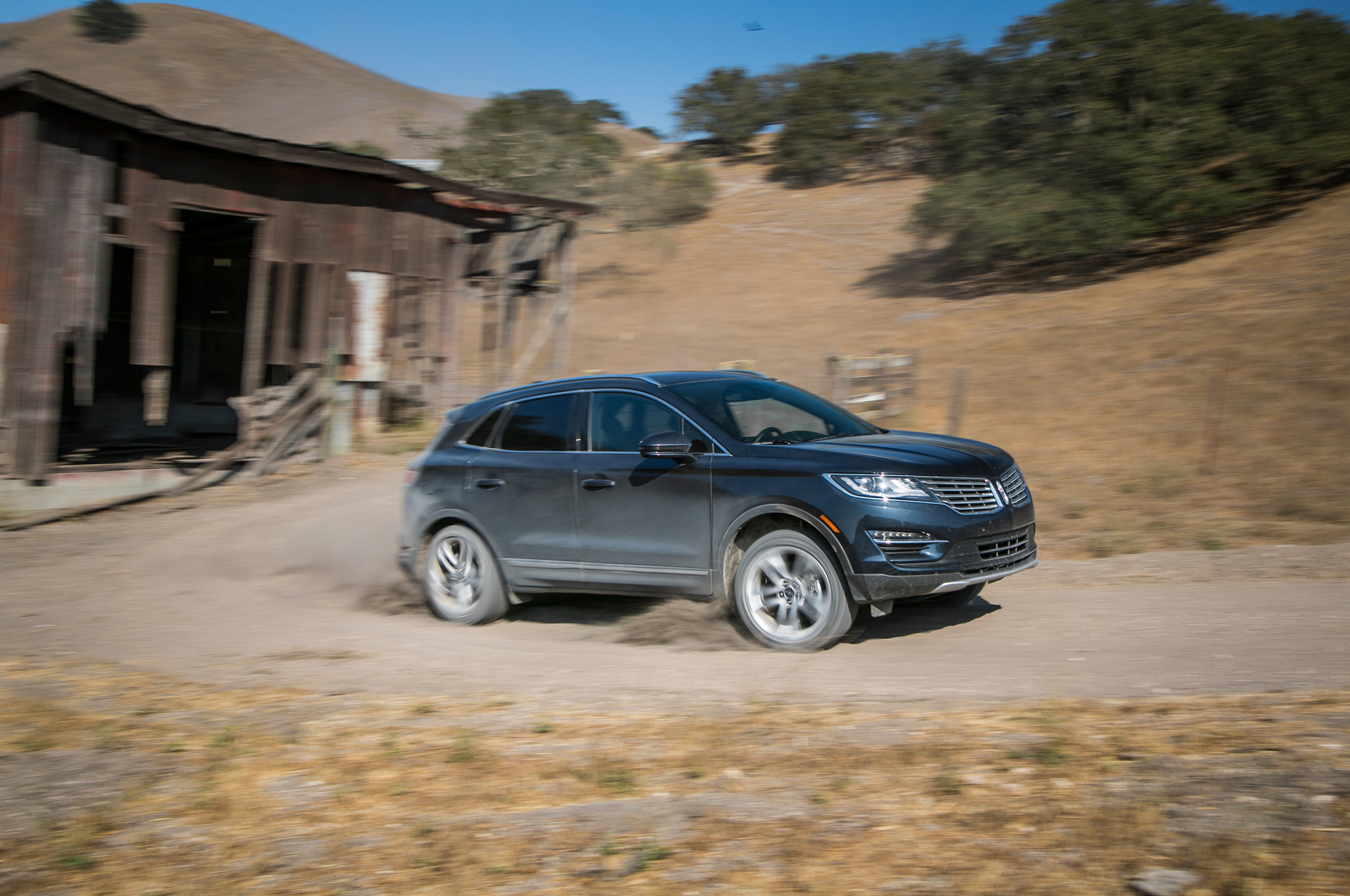 """Lincoln Design Boss Wants No """"Visual Connection"""" With Ford"""