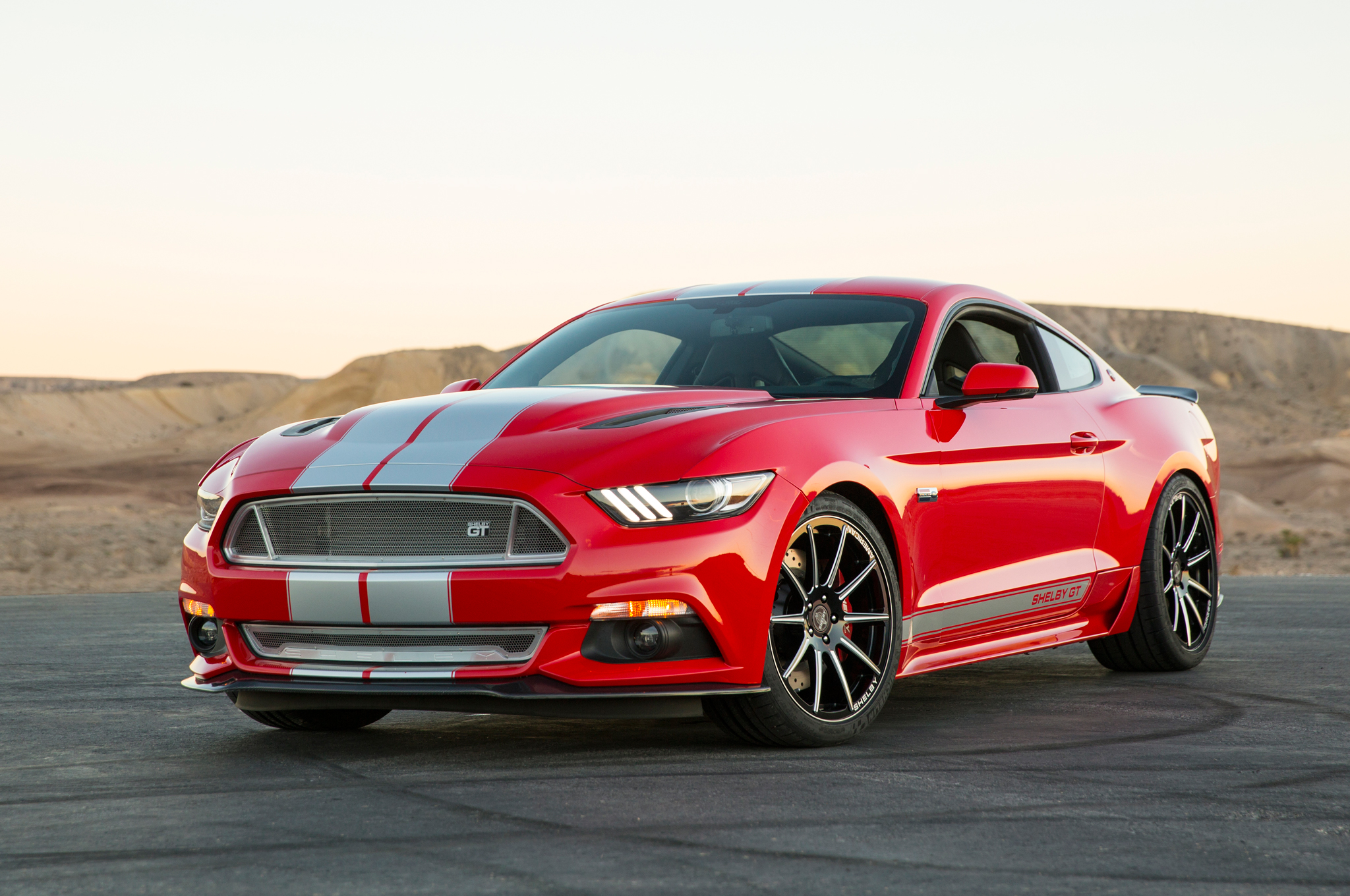 2015 shelby gt is a 627 hp tuner ford mustang motor trend. Black Bedroom Furniture Sets. Home Design Ideas