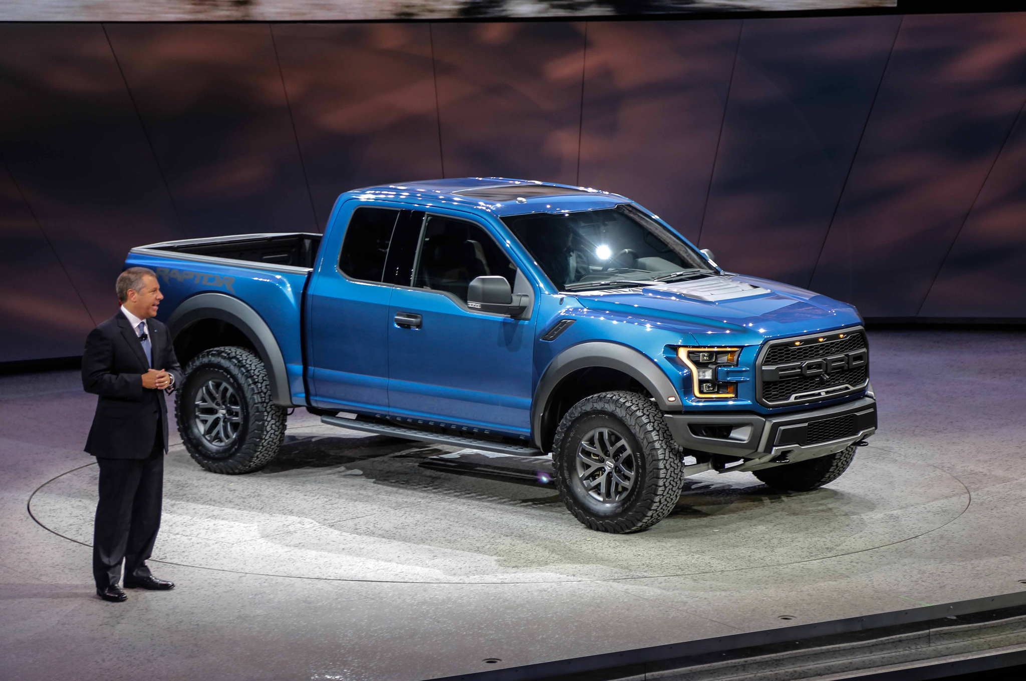 Ford F  Raptor First Look