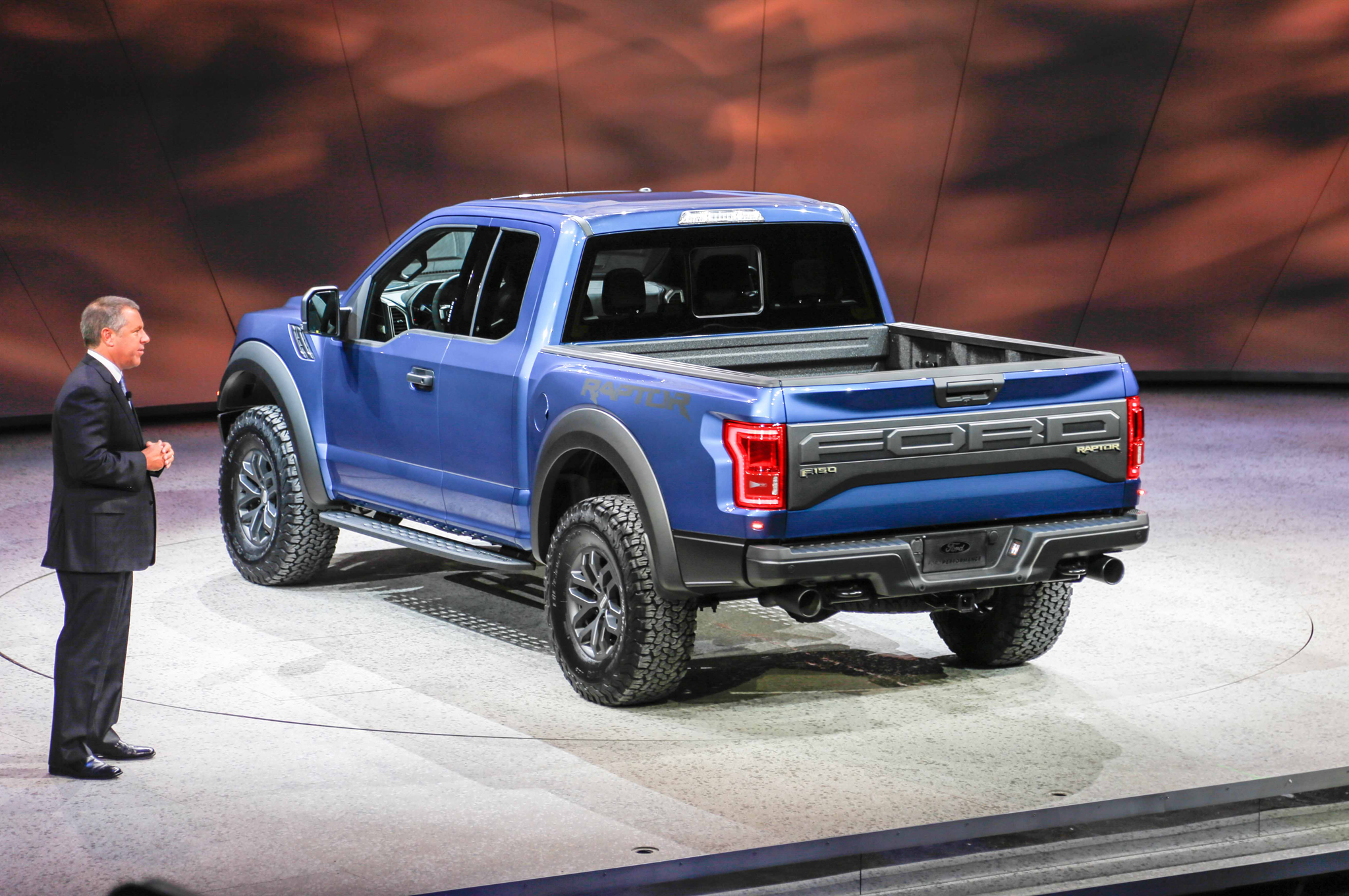 2017 ford f 150 raptor first look motortrend