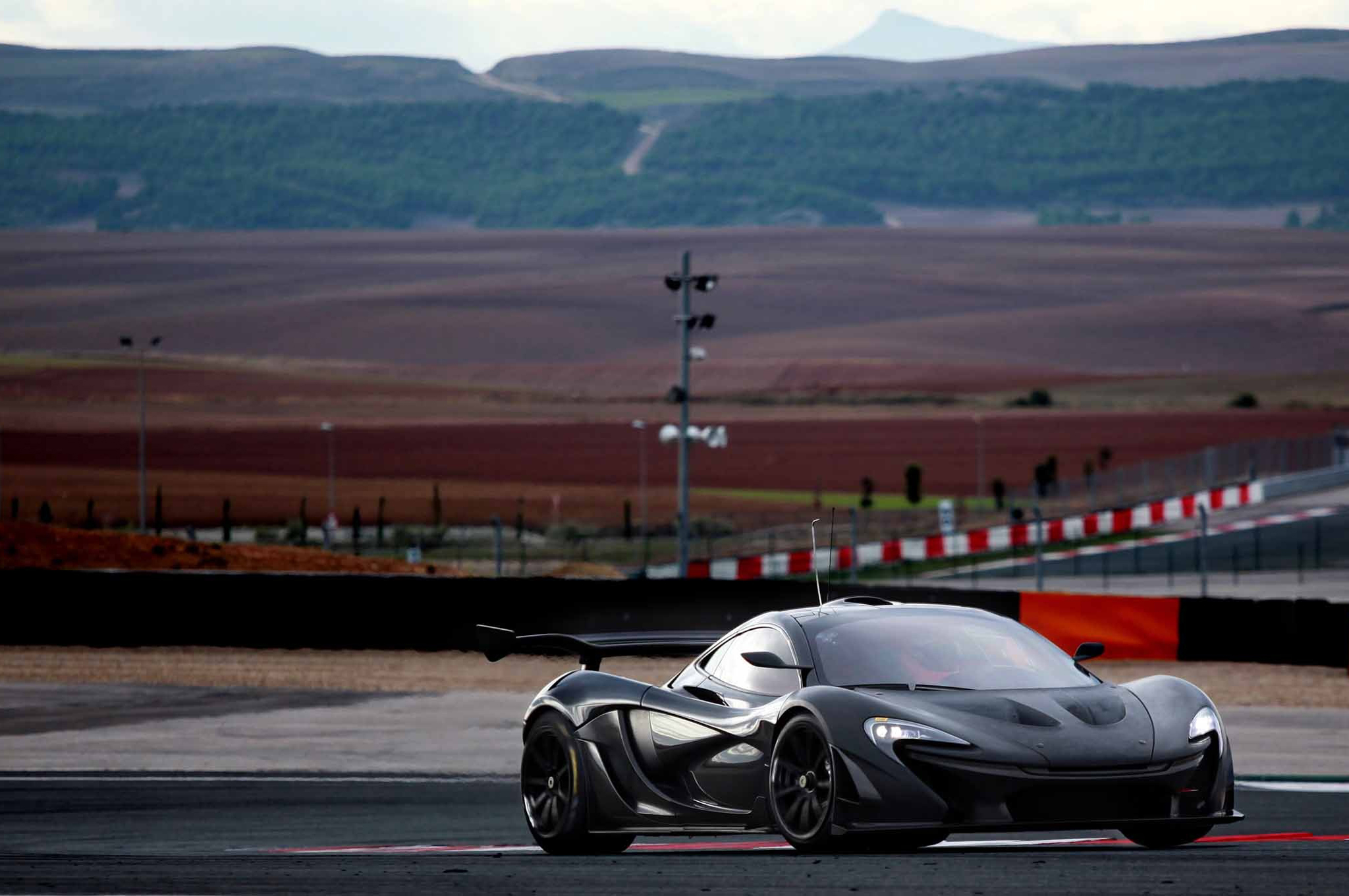 McLaren P1 GTR Will Debut at Geneva Before Playing on the Track