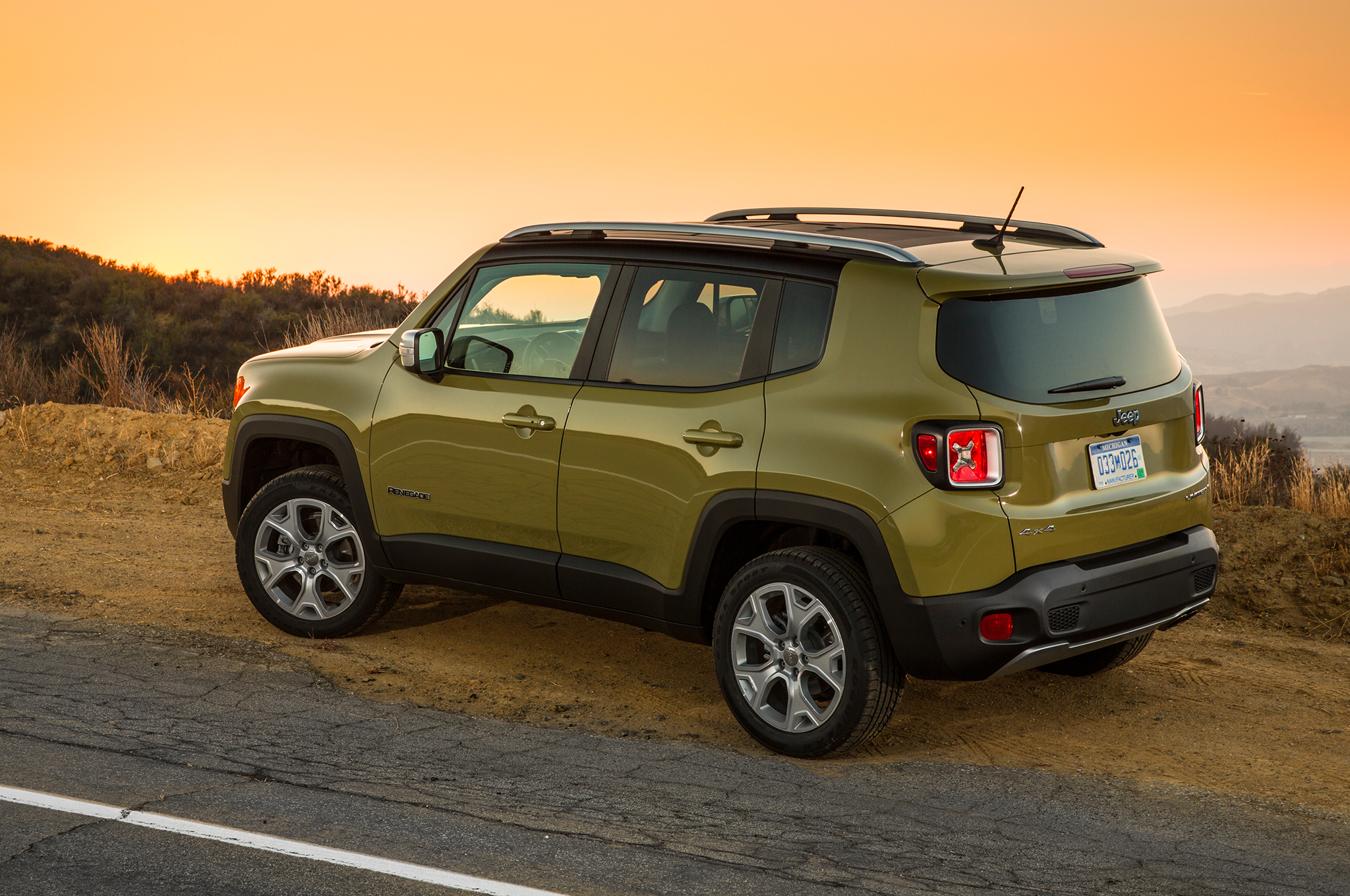 Awesome 2015 Jeep Renegade EPA Fuel Economy Hits 22/31 MPG With 2.4 Liter