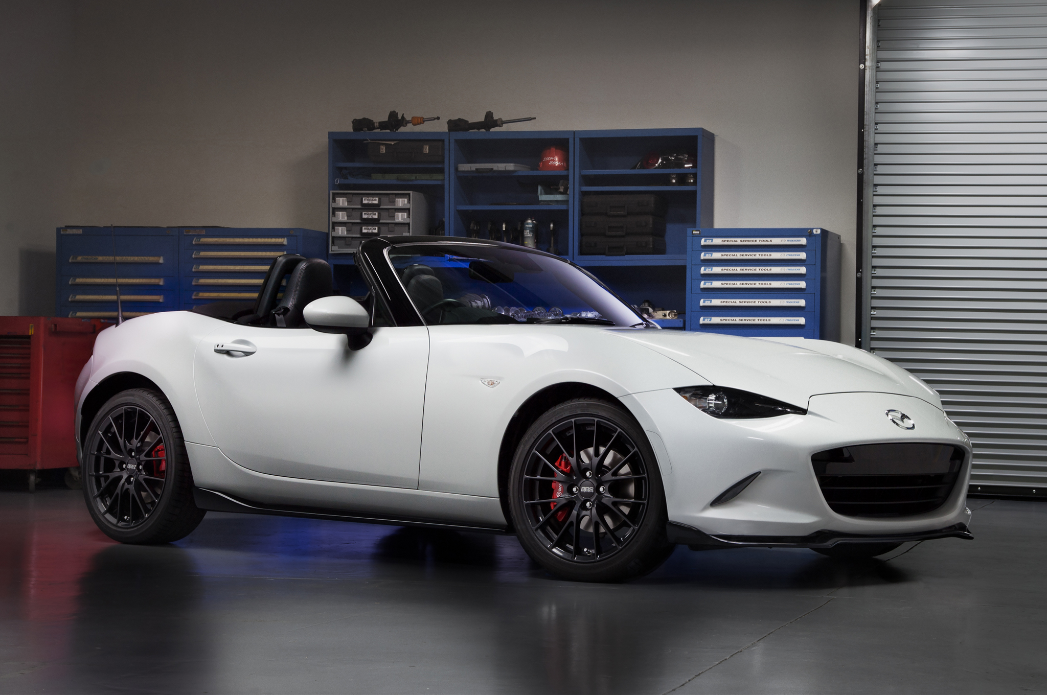 New Mazda Miata >> 2016 Mazda Mx 5 Miata Concept Shows New Dealer Accessories Motor Trend