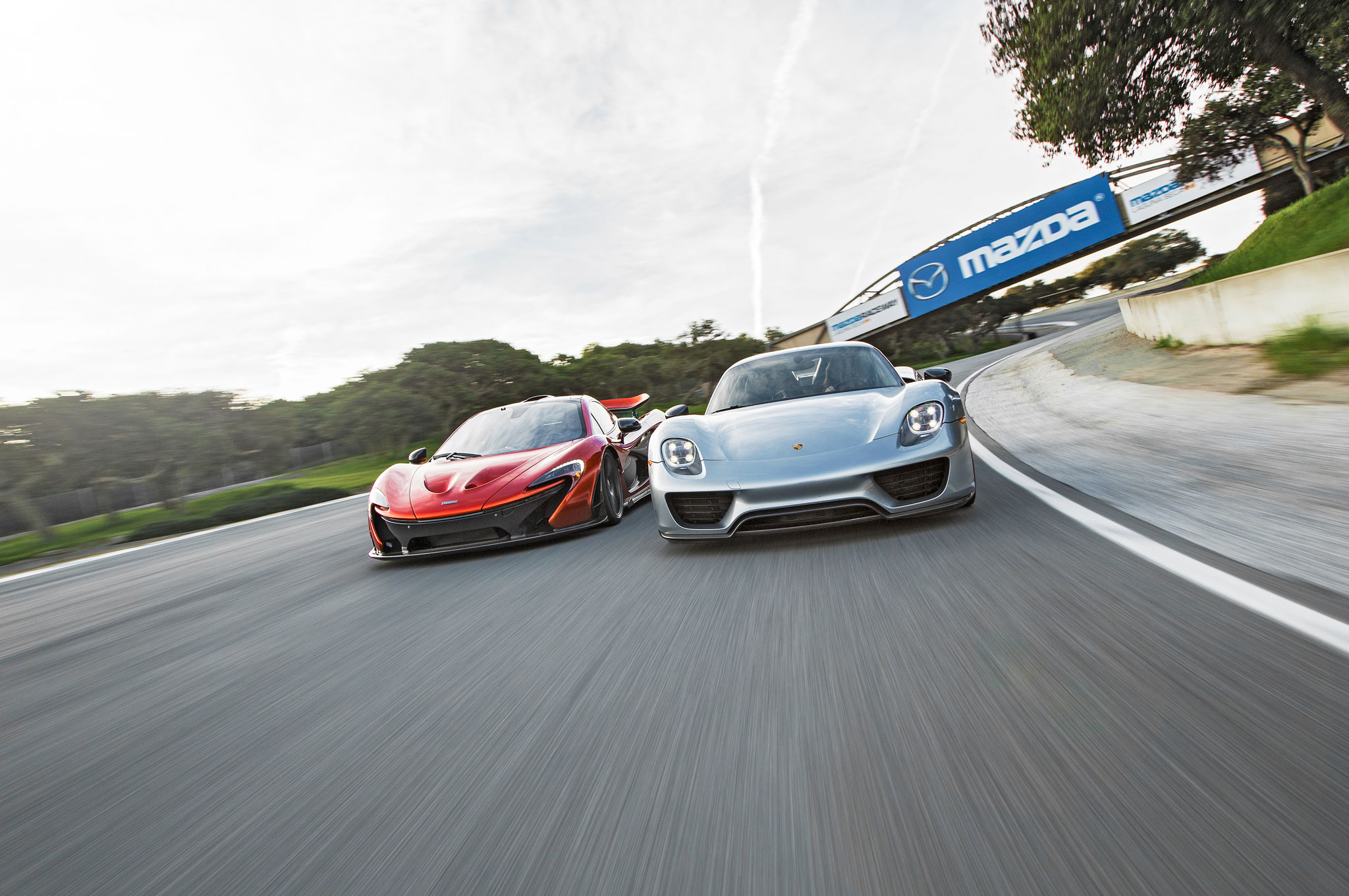 2015 McLaren P1 vs. 2015 Porsche 918 Spyder Comparison