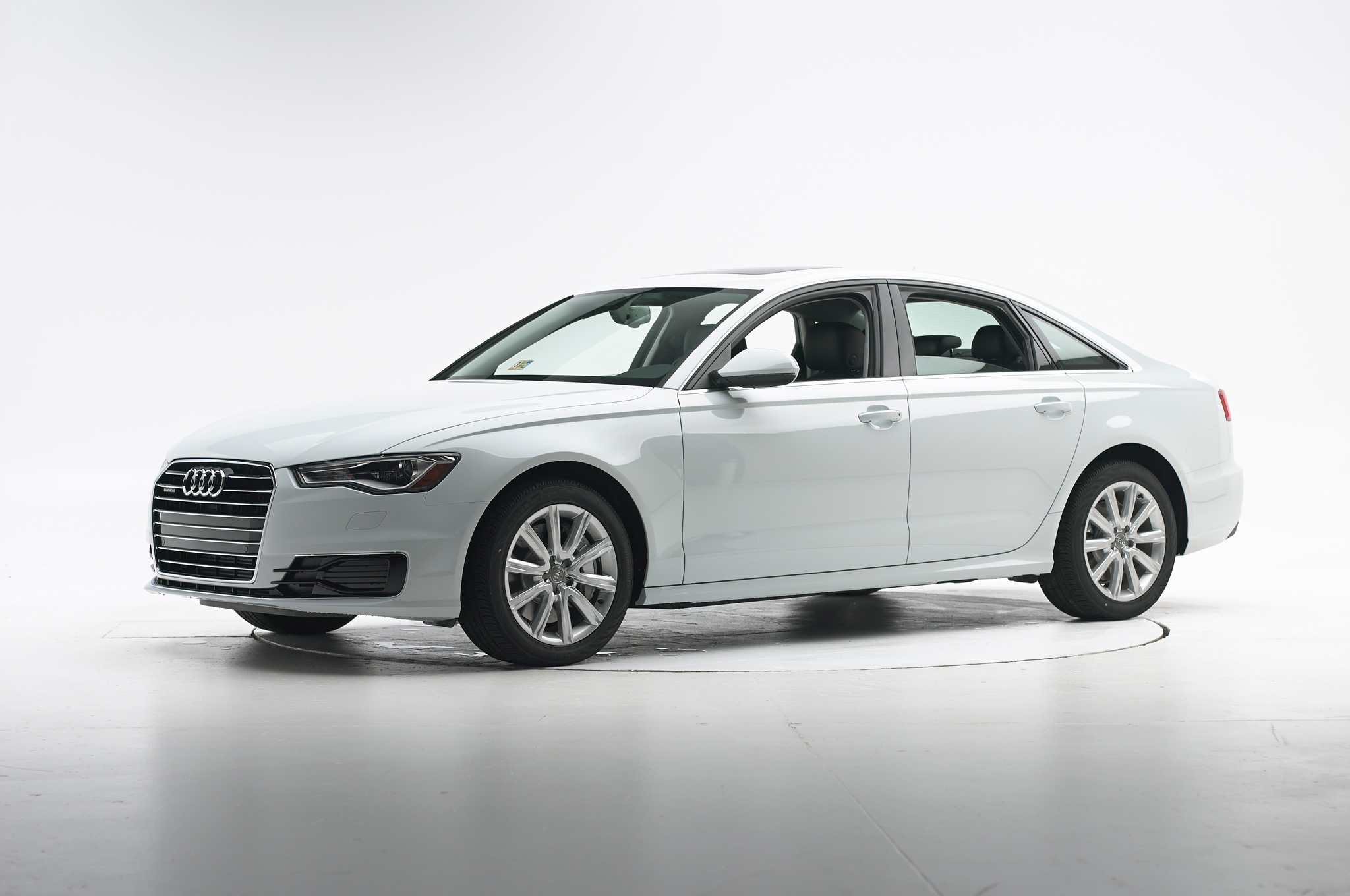 2016 Audi A6 Named an IIHS Top Safety Pick +