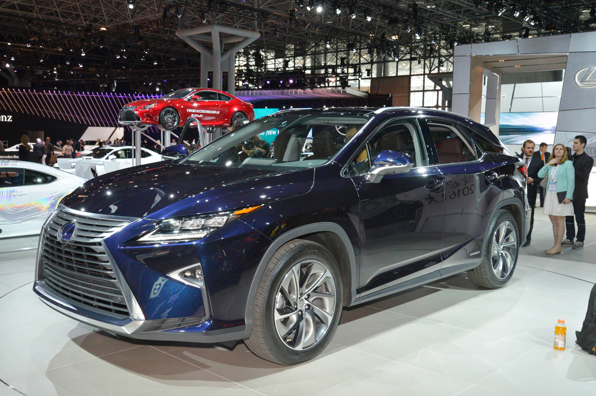 https://enthusiastnetwork.s3.amazonaws.com/uploads/sites/5/2015/03/2016-Lexus-RX-450h-front-three-quarter.jpg?impolicy=entryimage