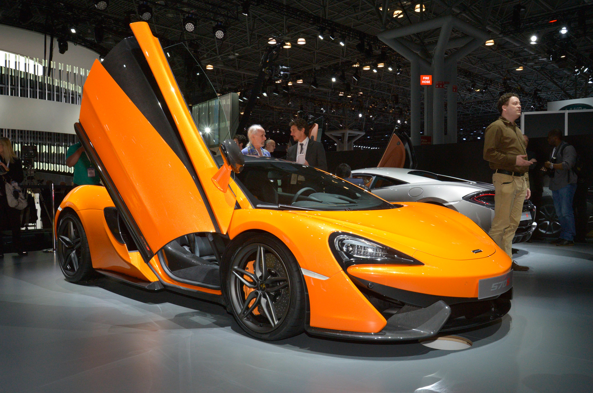 https://enthusiastnetwork.s3.amazonaws.com/uploads/sites/5/2015/03/2016-McLaren-570S-front-three-quarter.jpg?impolicy=entryimage