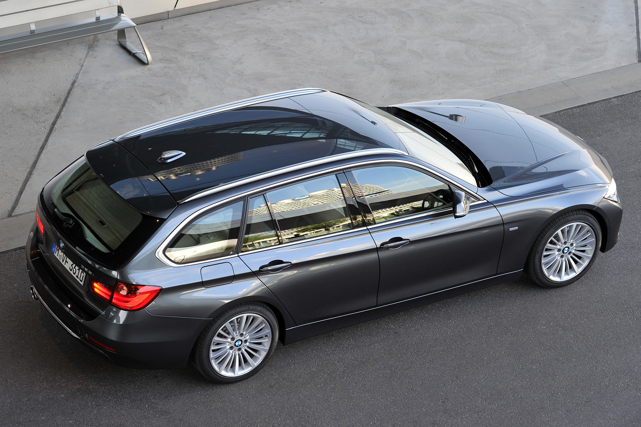 Panoramic Roof Cars >> Vehicles Offering Panoramic Sunroofs For Less Than 50 000 Motortrend