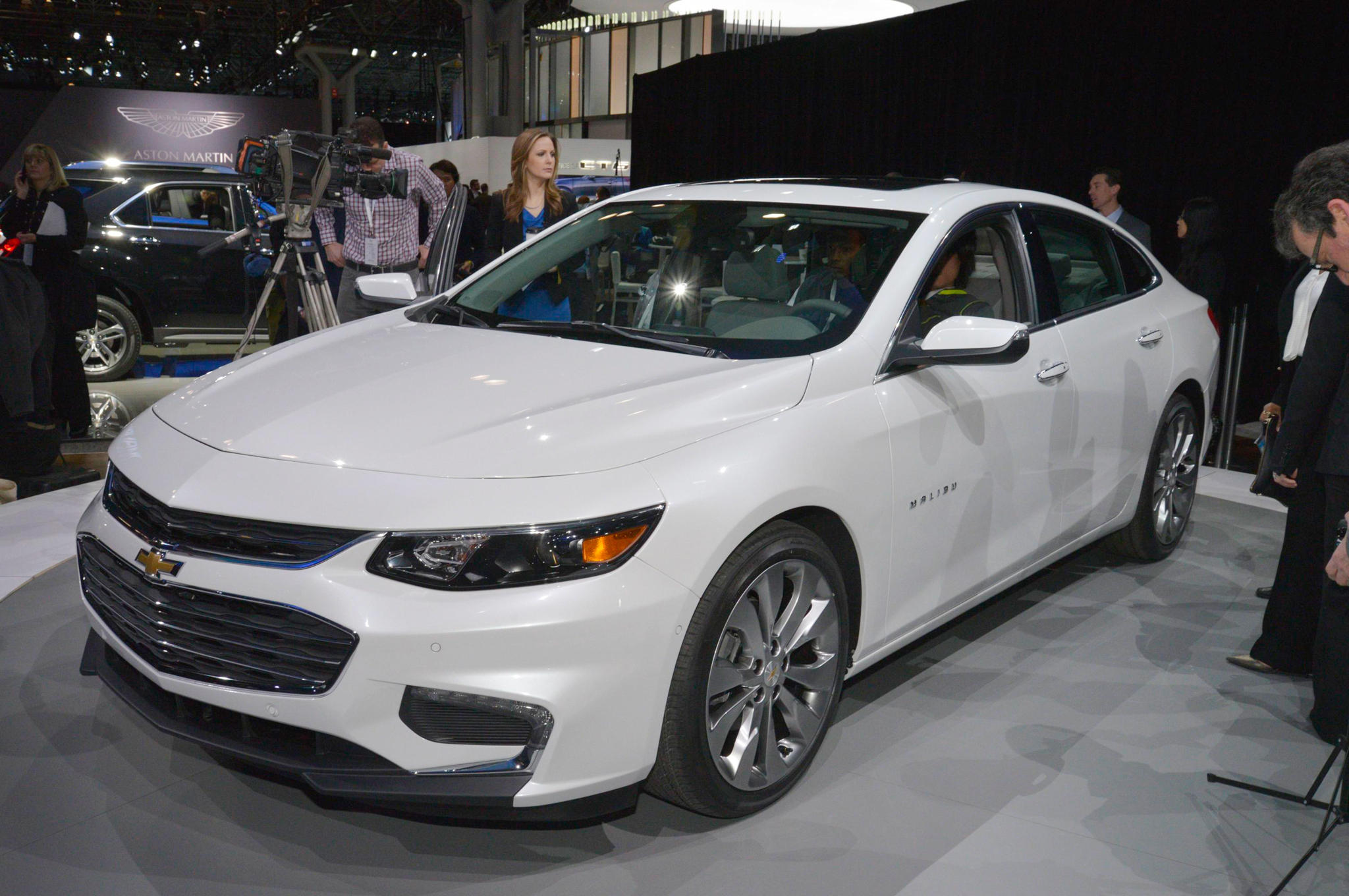 2016 Chevrolet Malibu First Look Motor Trend Fuse Box