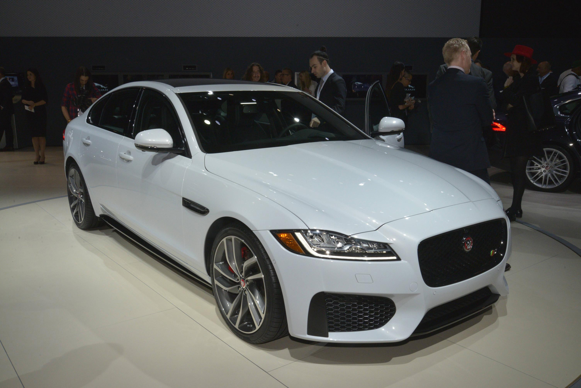 11 things to know about the 2016 jaguar xf - motortrend