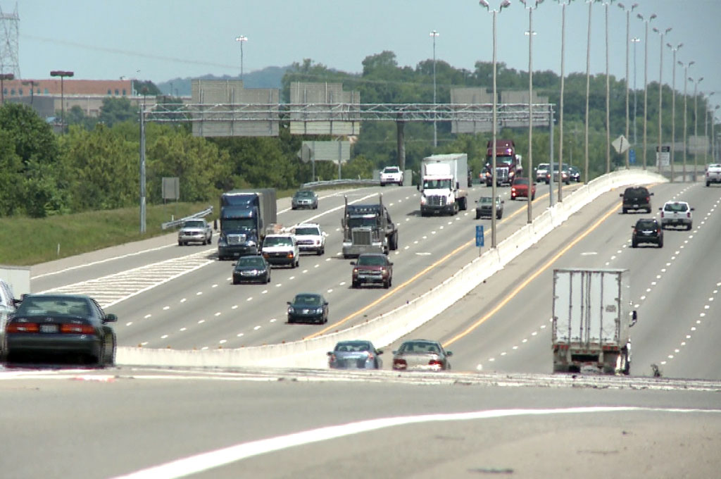 Driving Too Slowly in The Left Lane? Soon There May be a Fine for That