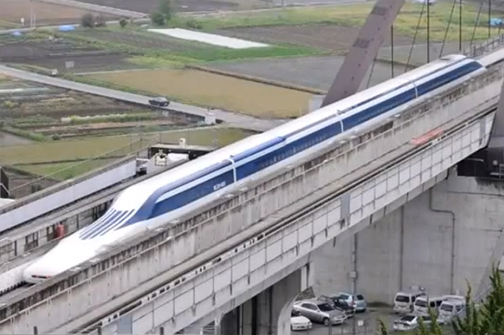 Maglev Train in Japan Hits Record 374 MPH (W/Video)