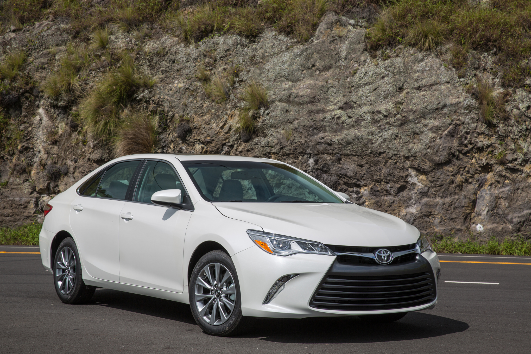 April Midsize Sales: Camry Leads Accord by Nearly 7,000 Units