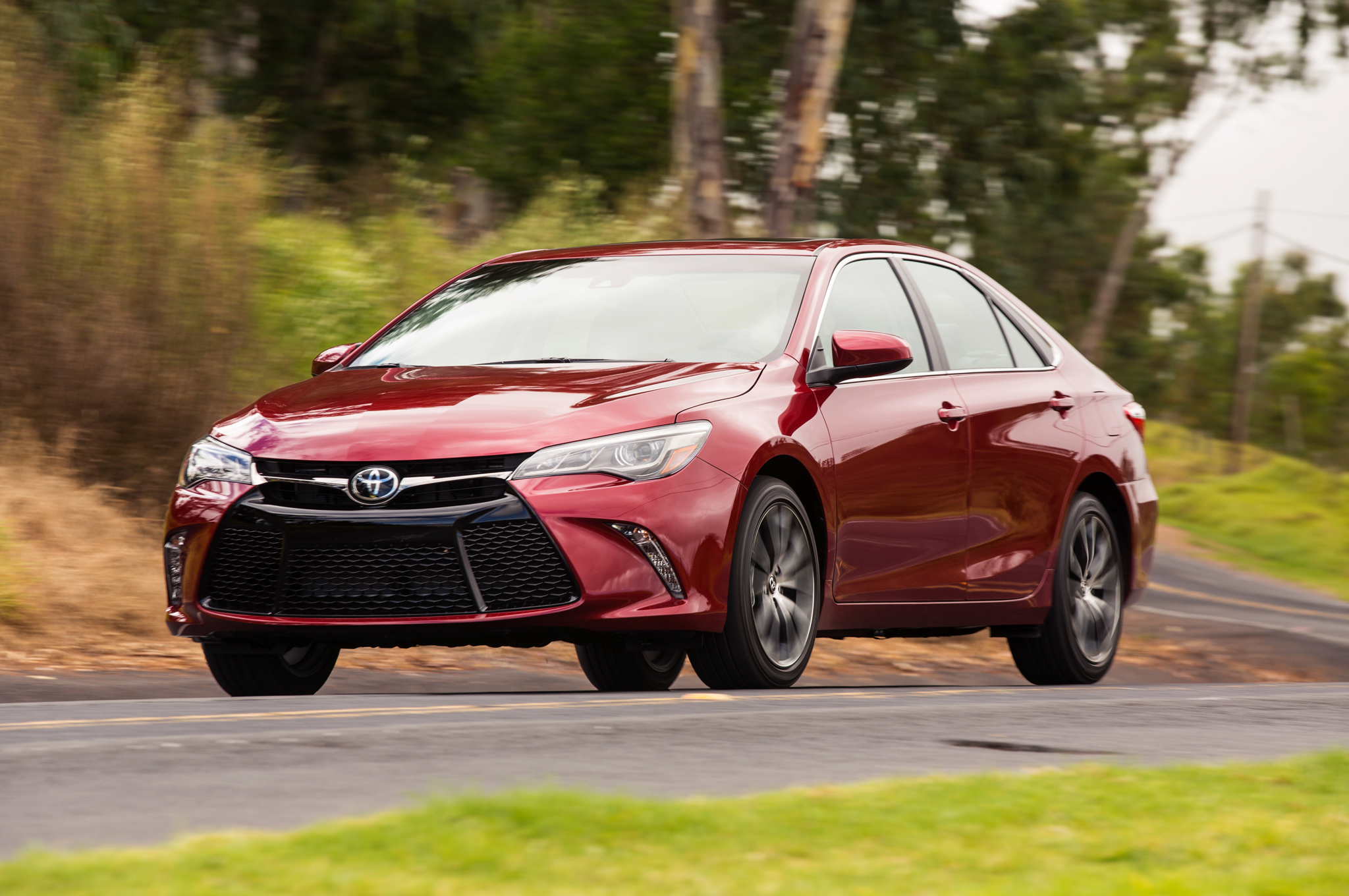 2015 Toyota Camry Real MPG Vs. The Competition
