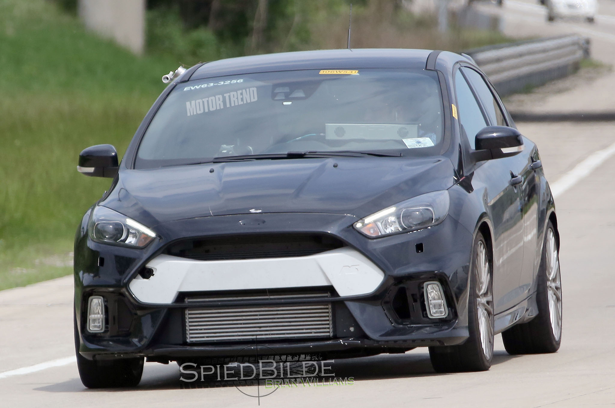 Spied: Ford Focus RS Mule Grins for the Camera
