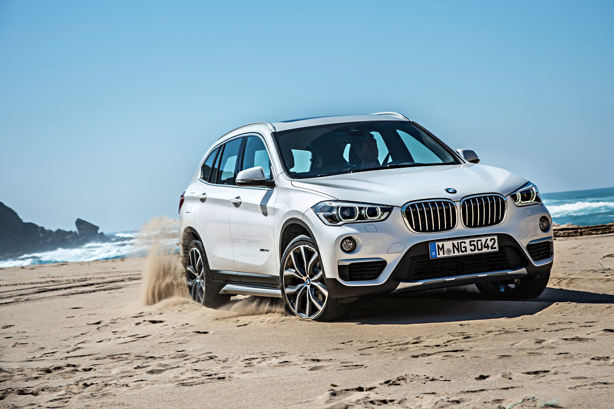 Superior 2016 BMW X1 First Look Review