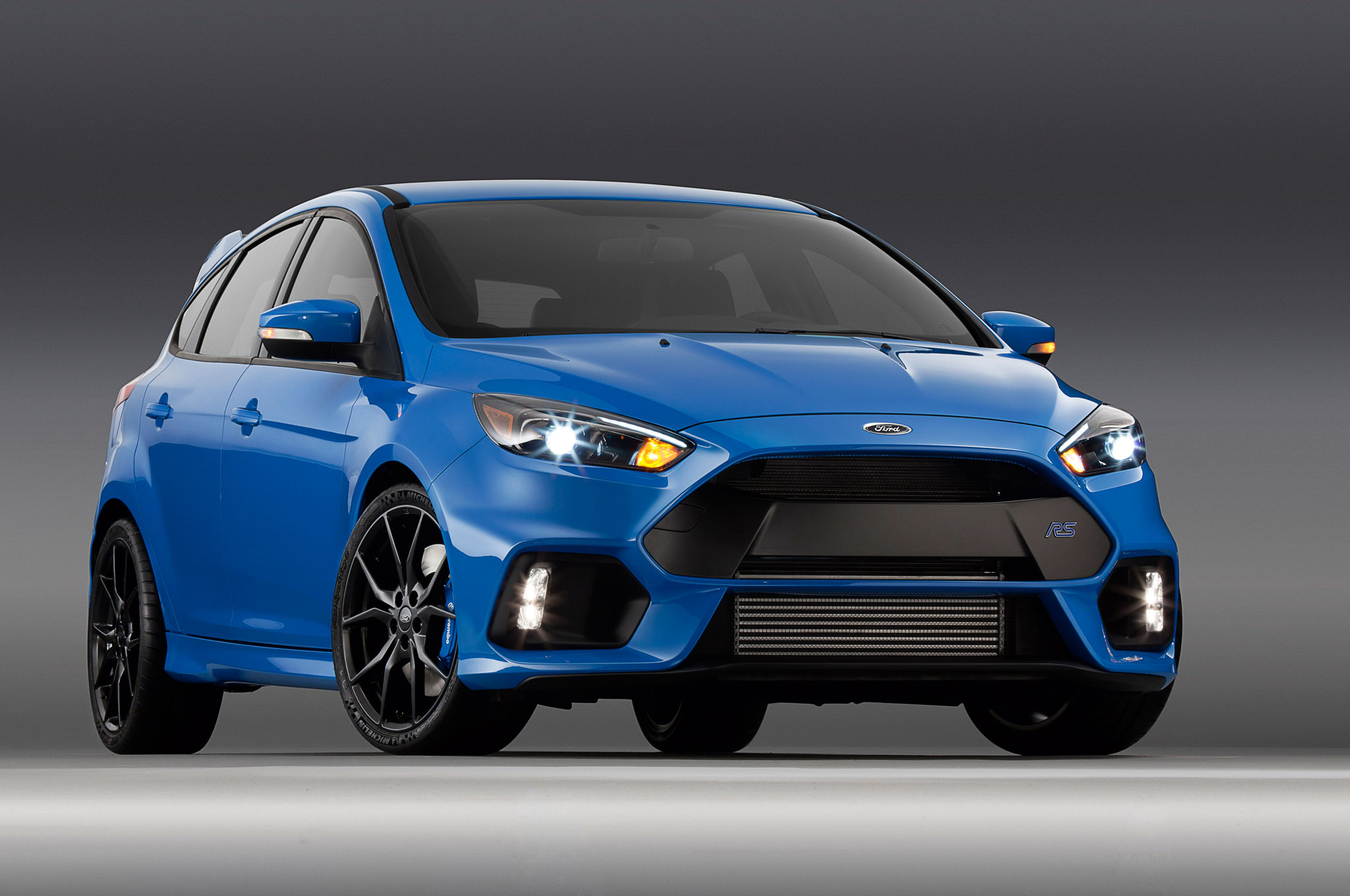 ficial 2016 Ford Focus RS Makes 345 HP 324 LB FT Motor Trend
