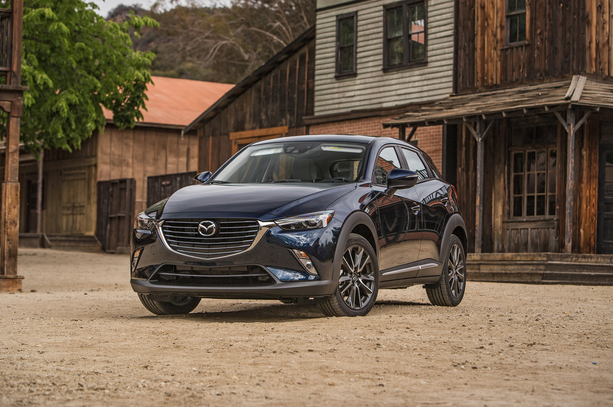 https://enthusiastnetwork.s3.amazonaws.com/uploads/sites/5/2015/06/2016-Mazda-CX-3-Grand-Touring-AWD-front-three-quarter.jpg?impolicy=entryimage