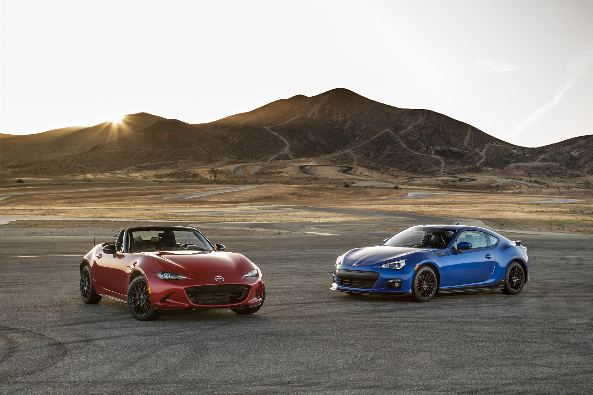 2016 Mazda MX-5 Miata vs  2015 Subaru BRZ Comparison - Motor