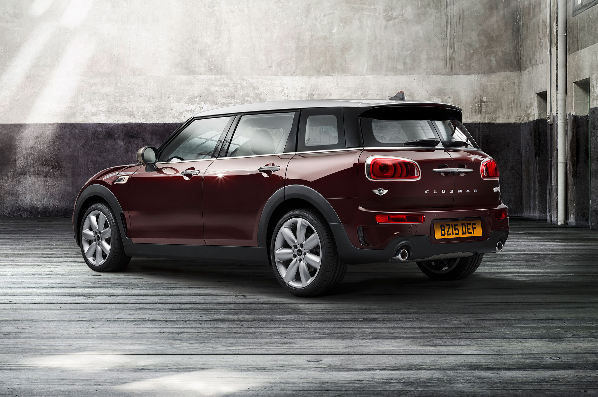 2016 mini clubman first look - motortrend