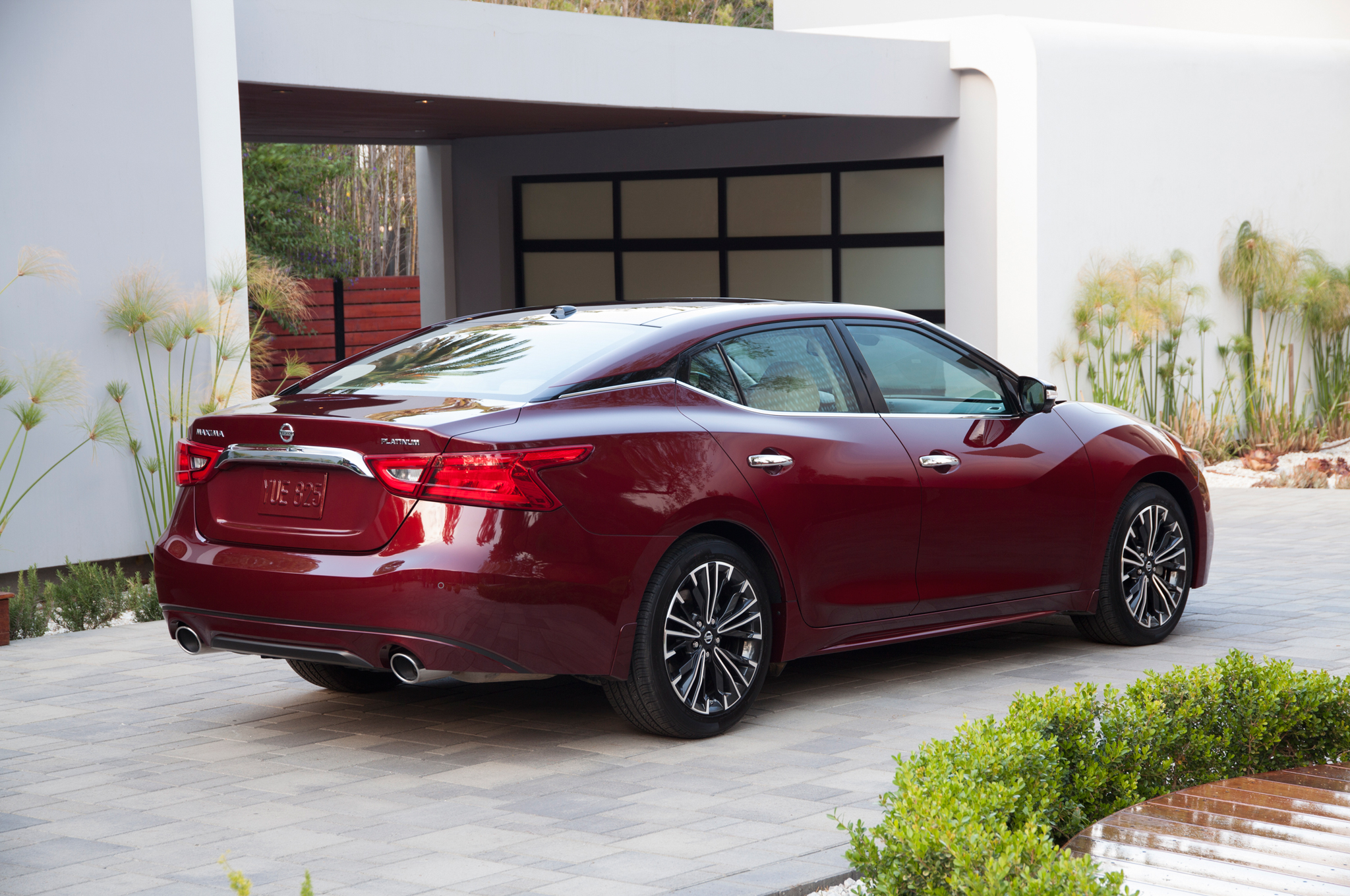 2016 Nissan Maxima by the Numbers