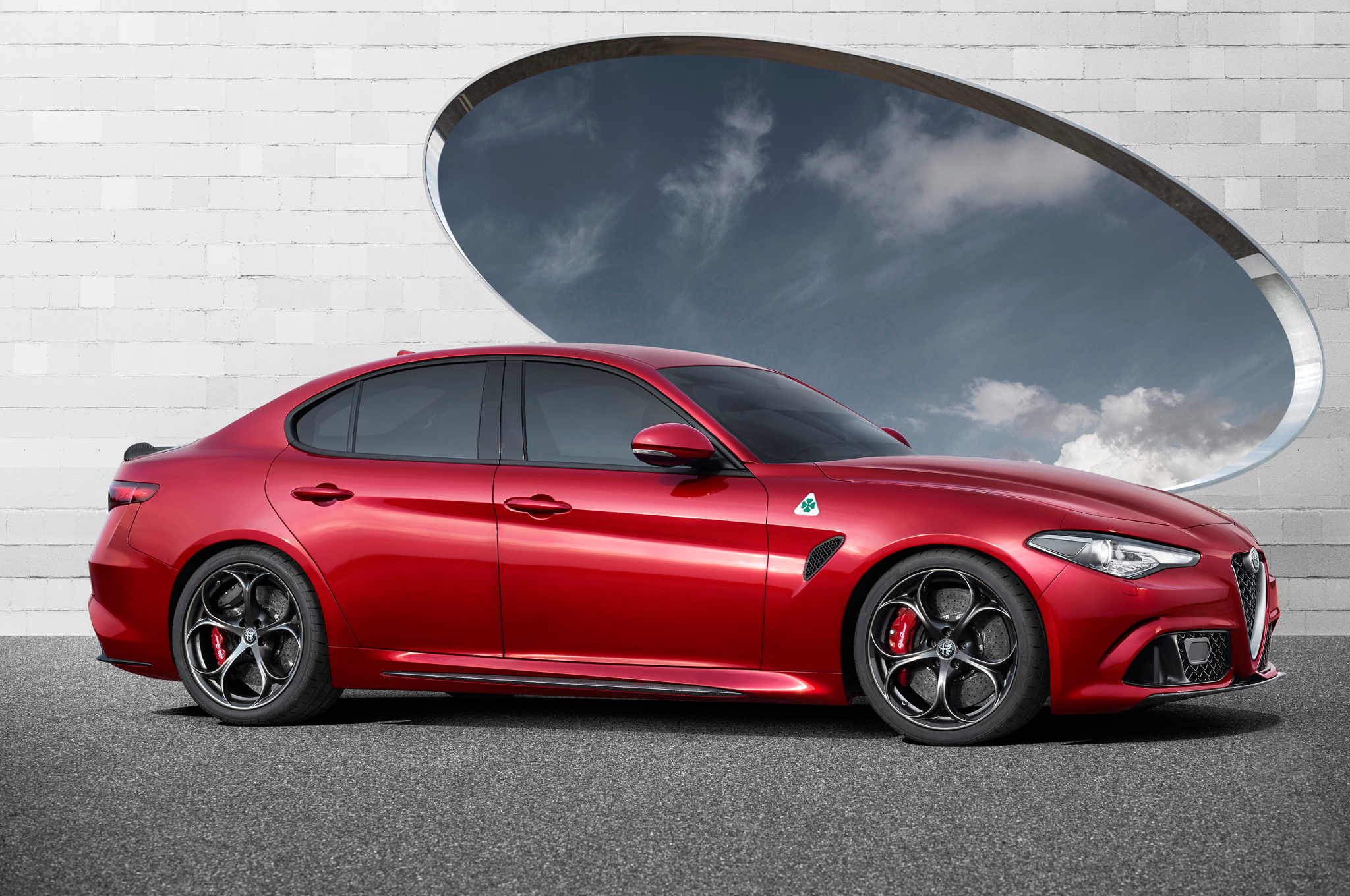 Alfa Romeo Giulia Sedan Debuts Quadrifoglio Variant Makes HP - New alfa romeo for sale