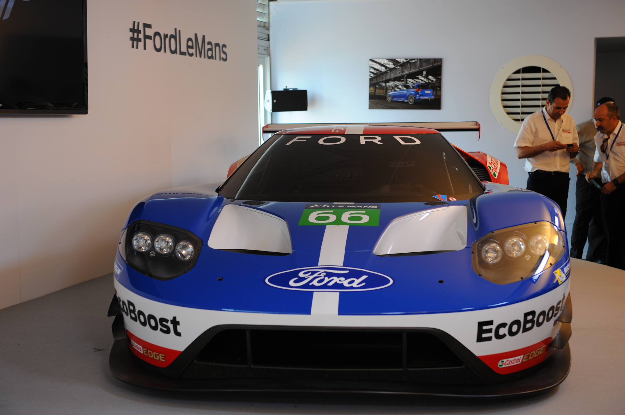 Go Back Gt Gallery For Circuit Board Design Blue Interview Four Oval Bigwigs On The Ford Race Car Motor Trend