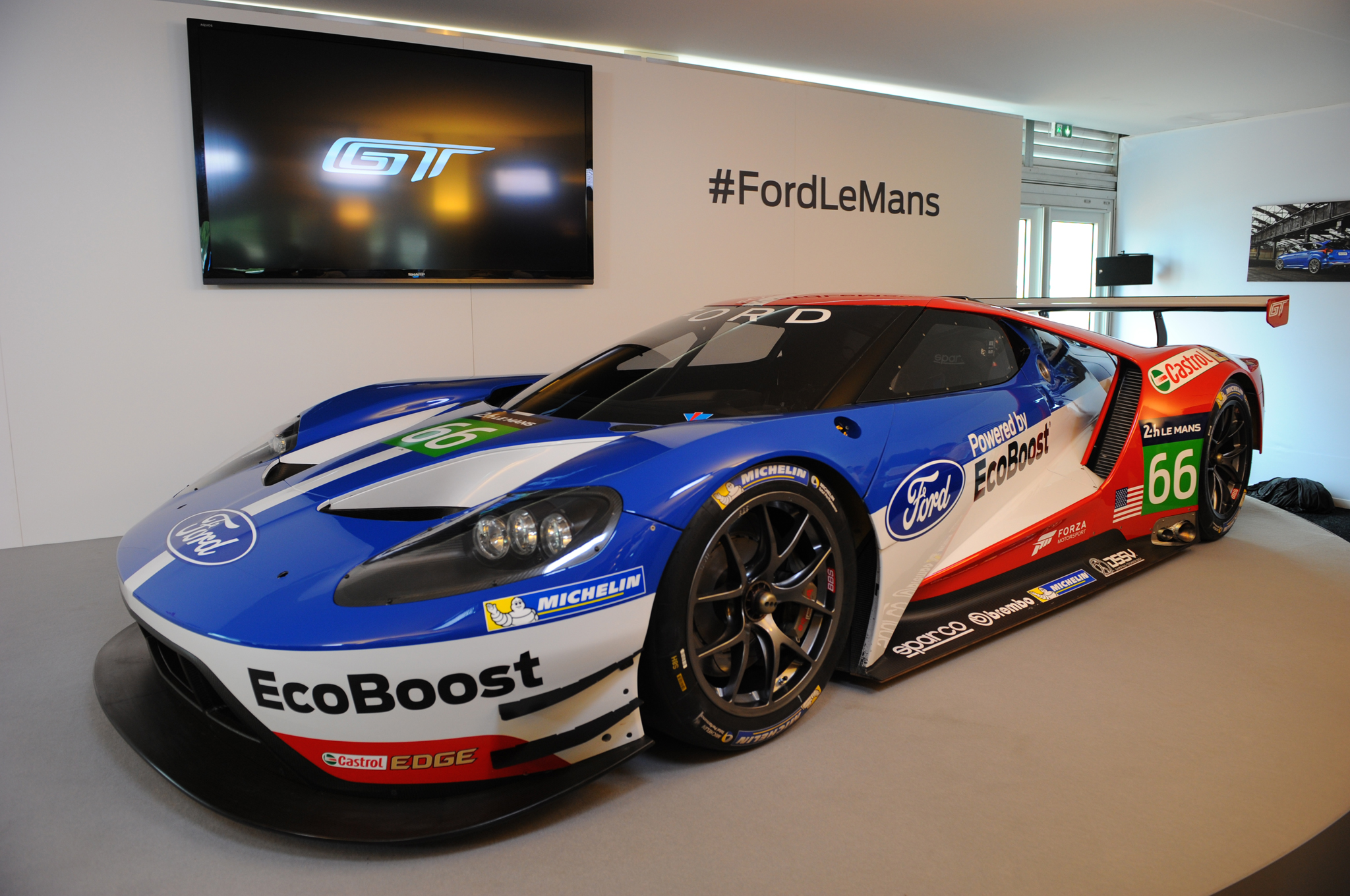 Ford Gt Race Car To Compete At Le Mans Next Year