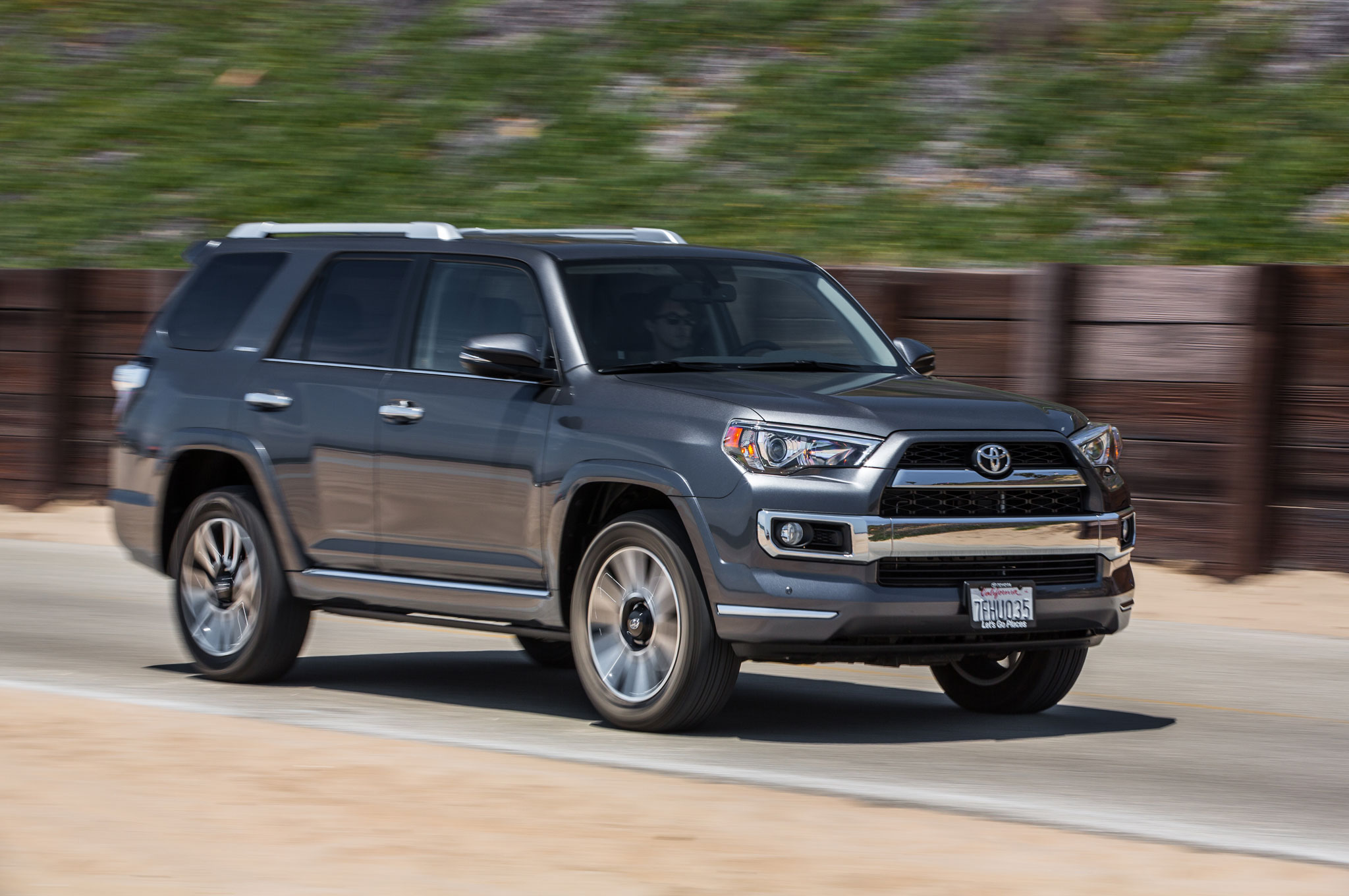 2015 toyota 4runner limited 4x4 first test - motortrend