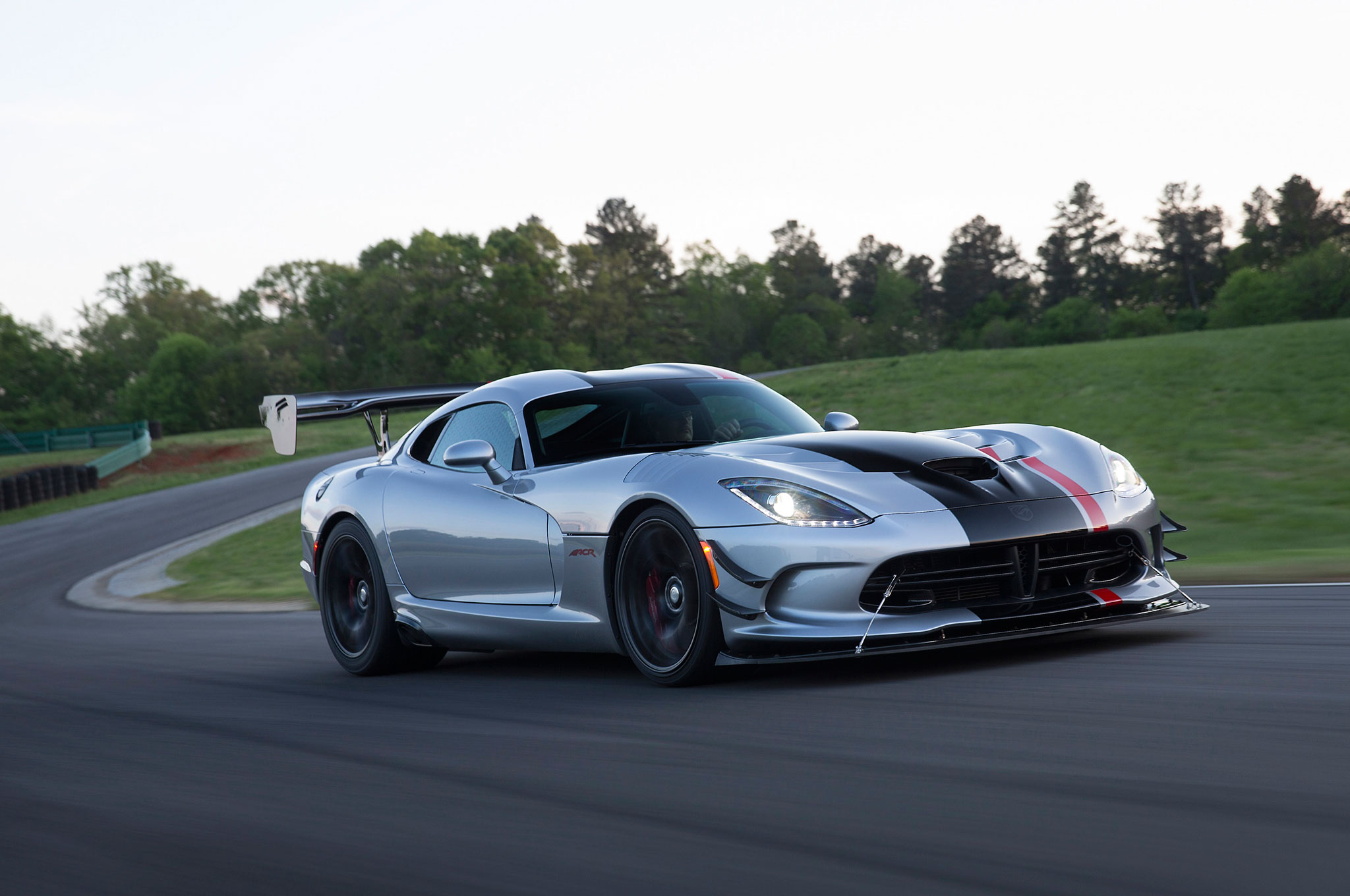 2016 Dodge Viper ACR First Drive - Motor Trend