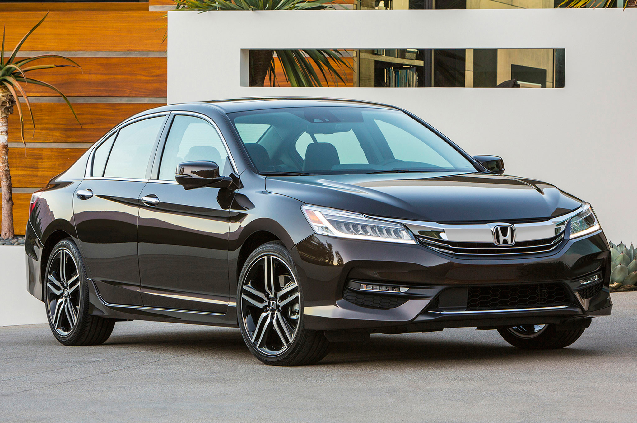 2016 Honda Accord First Look Review