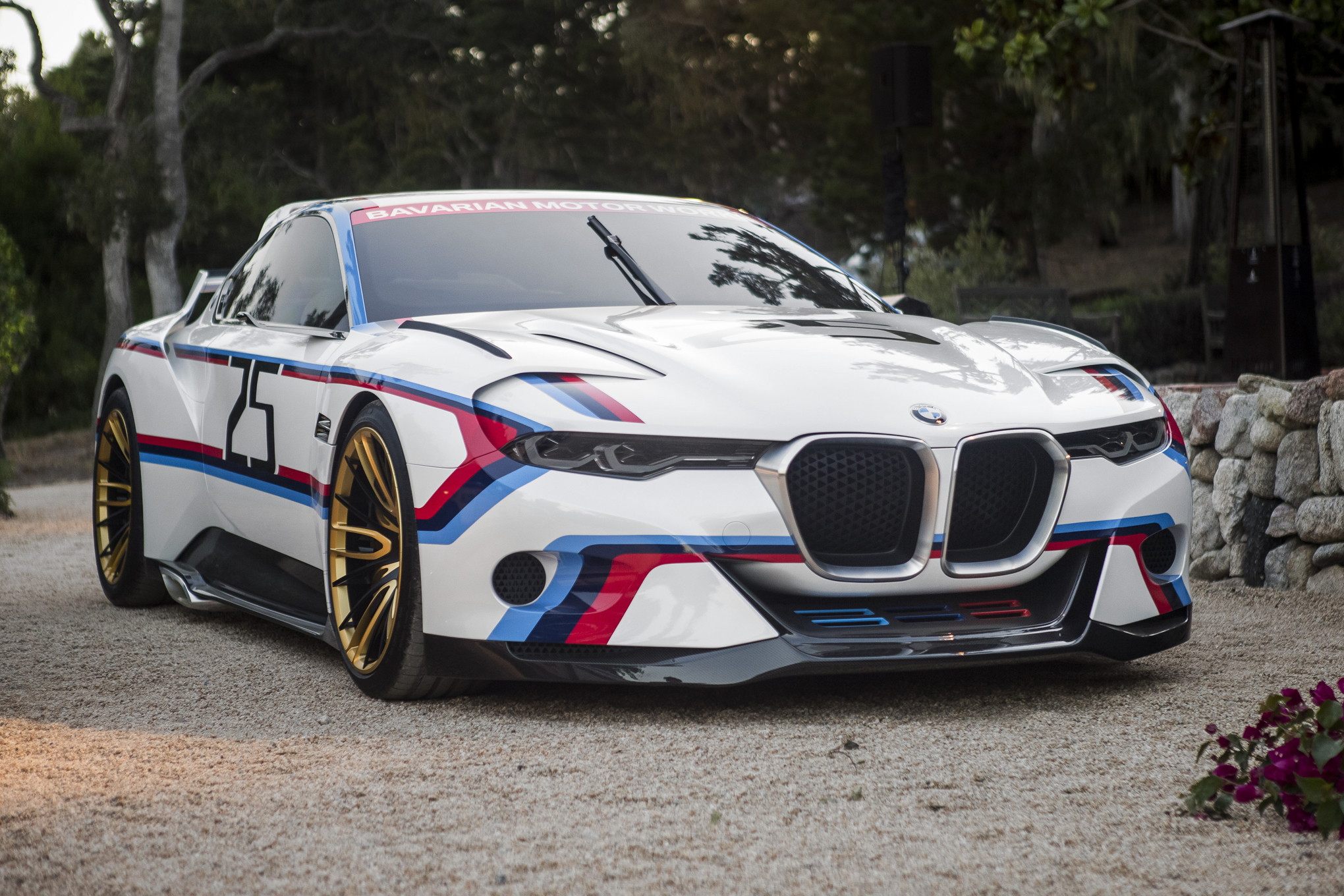 Bmw 3.0 Csl >> Bmw 3 0 Csl Hommage R Shows Off Interactive Features Motortrend