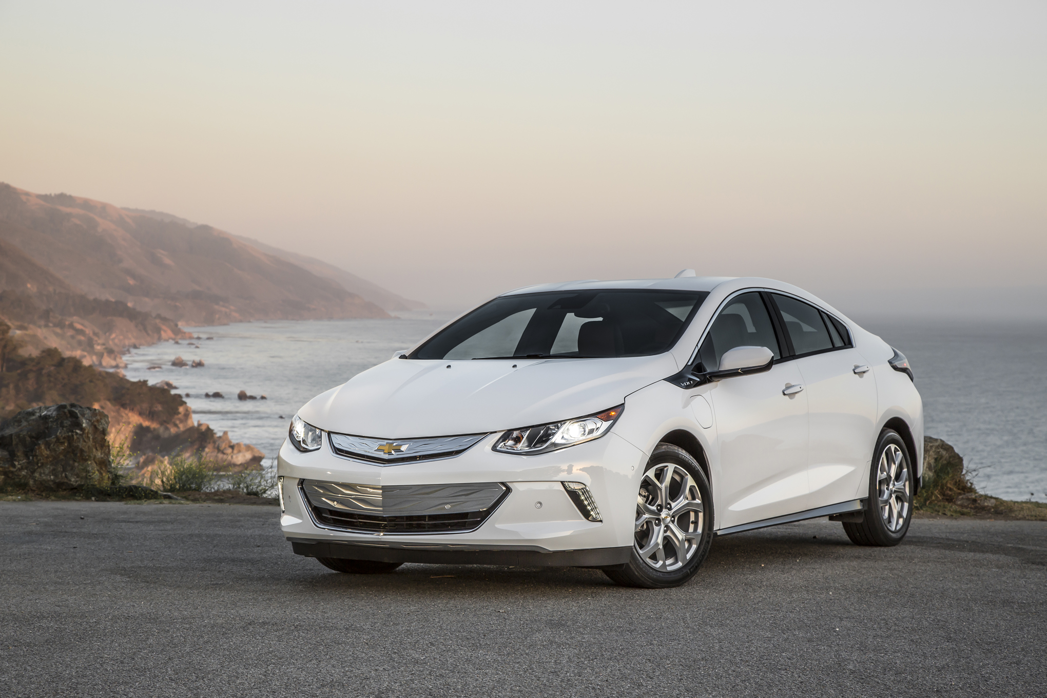 Chevy Volt 0 60 >> 2016 Chevrolet Volt First Test Review Motor Trend Motor
