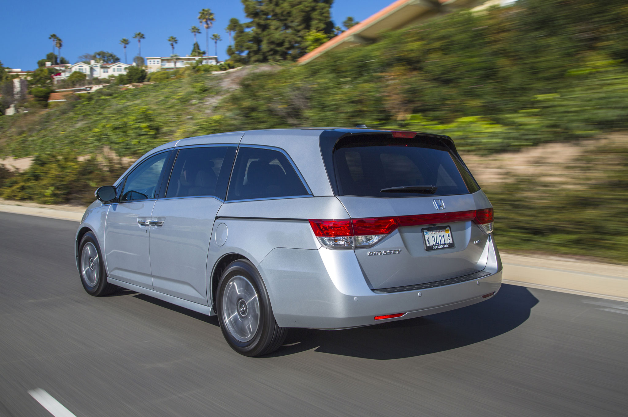 2016 Honda Odyssey Starts at $30,155, New SE Trim Available