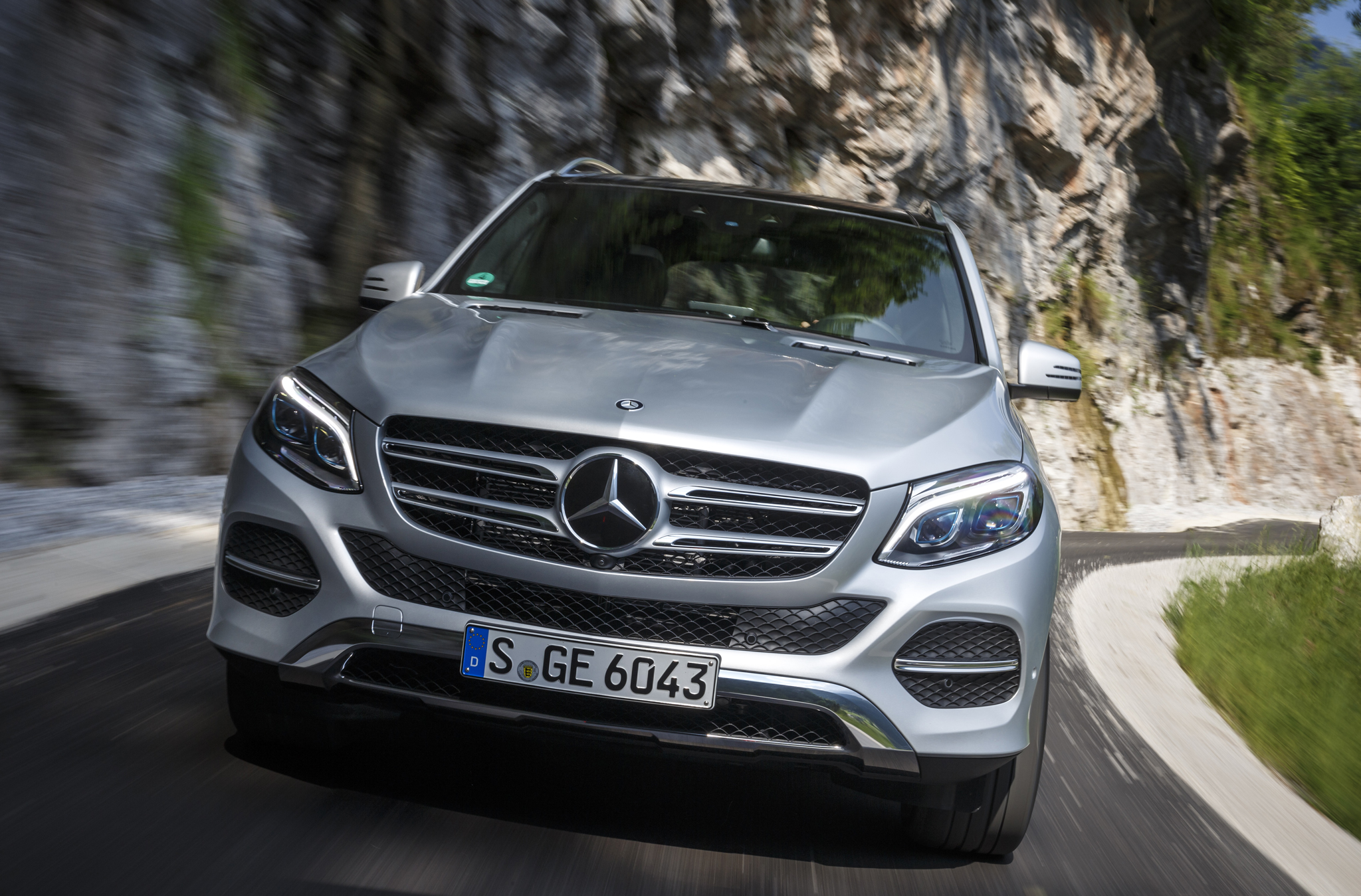 Refreshing or Revolting: 2016 Mercedes-Benz GLE