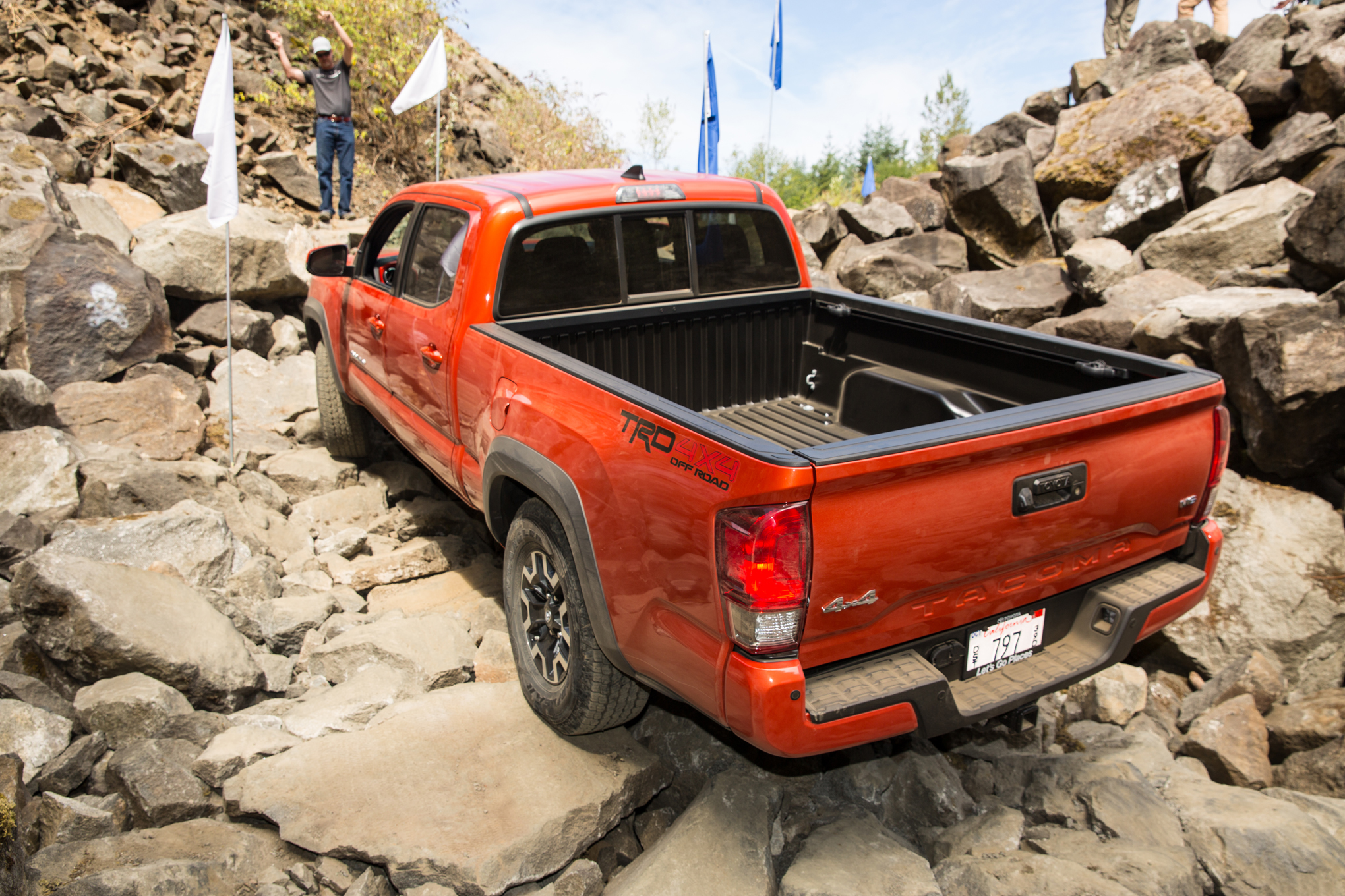2016-Toyota-Tacoma-TRD-Offroad-rear-three-quarter-rocks Great Description About Tacoma Tailgate