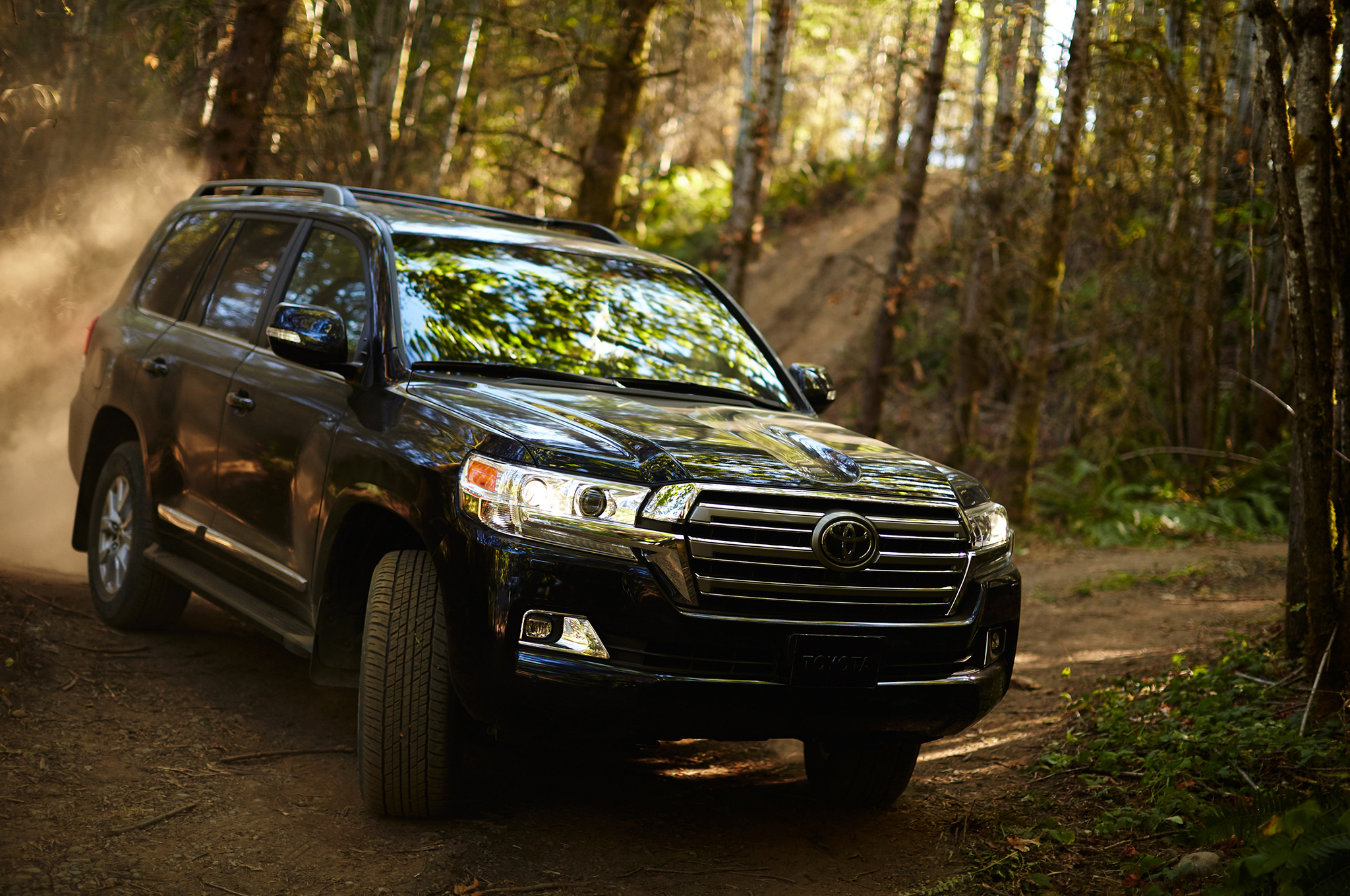 2016 Toyota Land Cruiser First Look Review